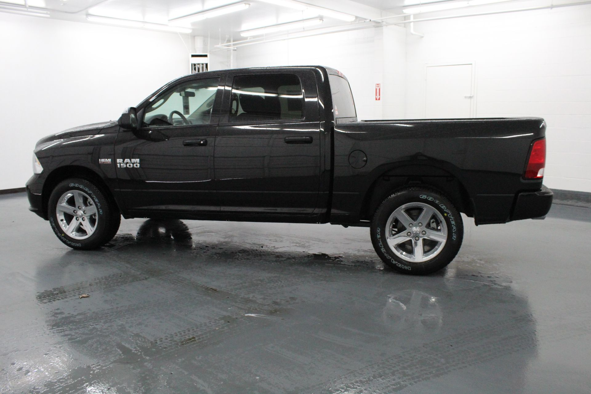 2018 Ram 1500 Crew Cab 4x4,  Pickup #178668 - photo 12
