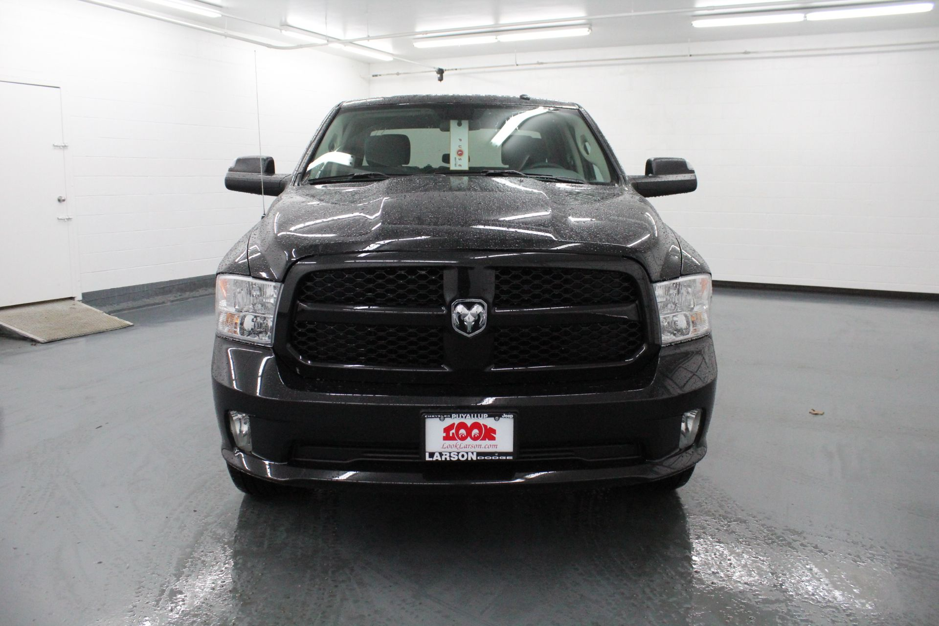 2018 Ram 1500 Crew Cab 4x4,  Pickup #178668 - photo 3