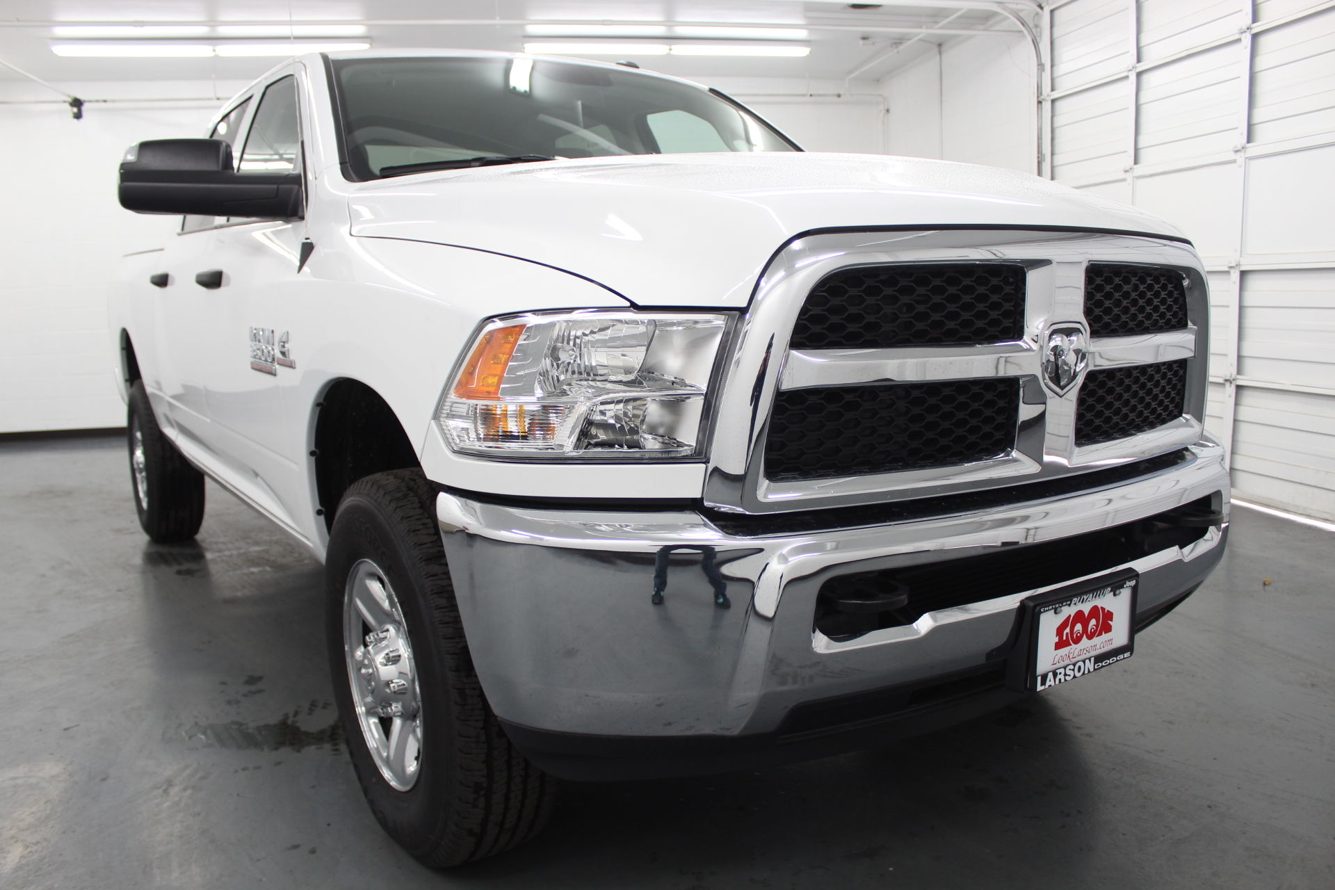 2018 Ram 3500 Crew Cab 4x4,  Pickup #201195 - photo 3