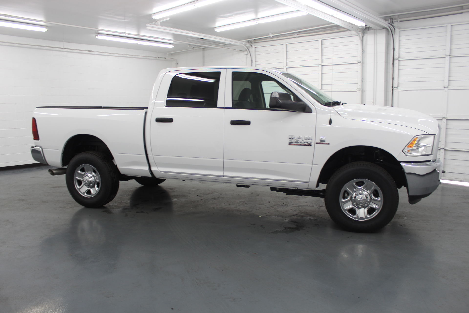 2018 Ram 3500 Crew Cab 4x4,  Pickup #201195 - photo 4