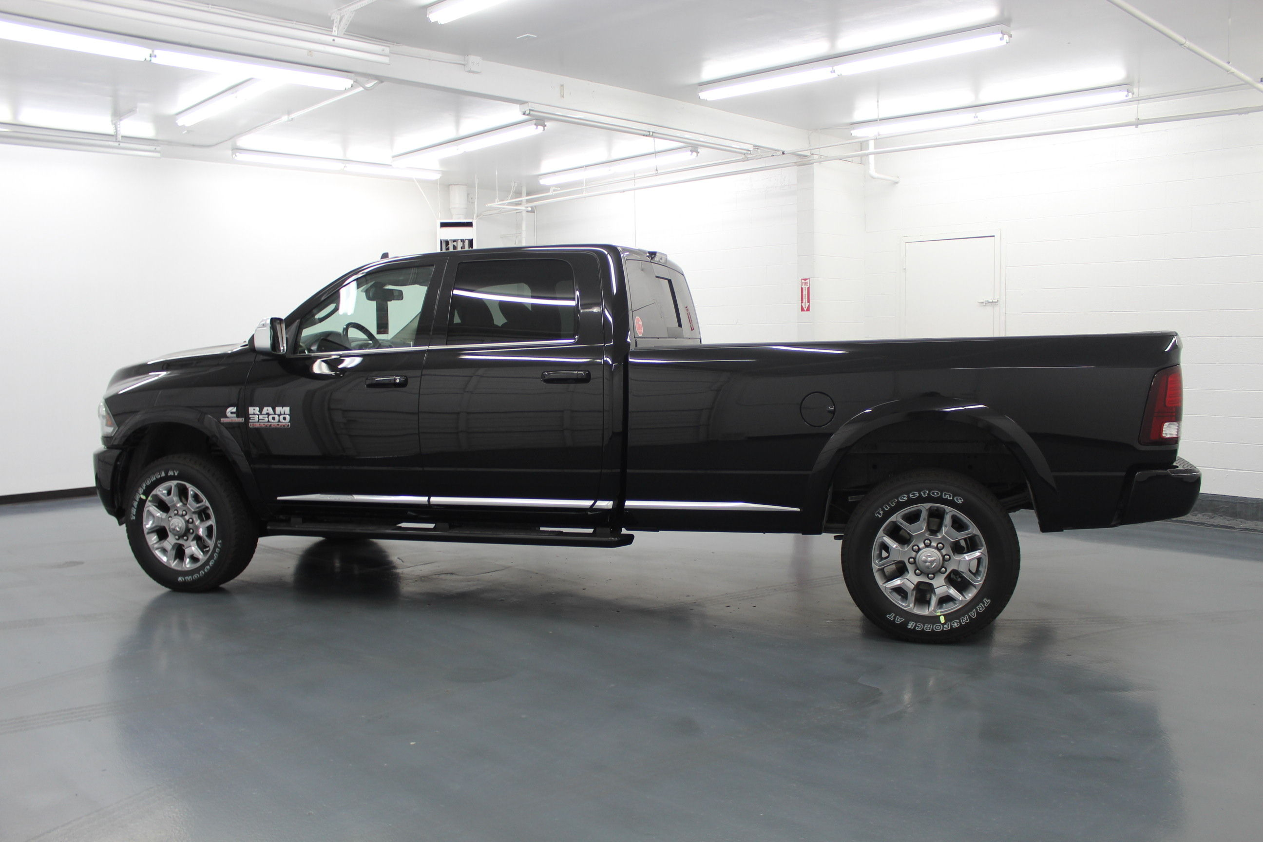 2018 Ram 3500 Crew Cab 4x4,  Pickup #229104 - photo 7