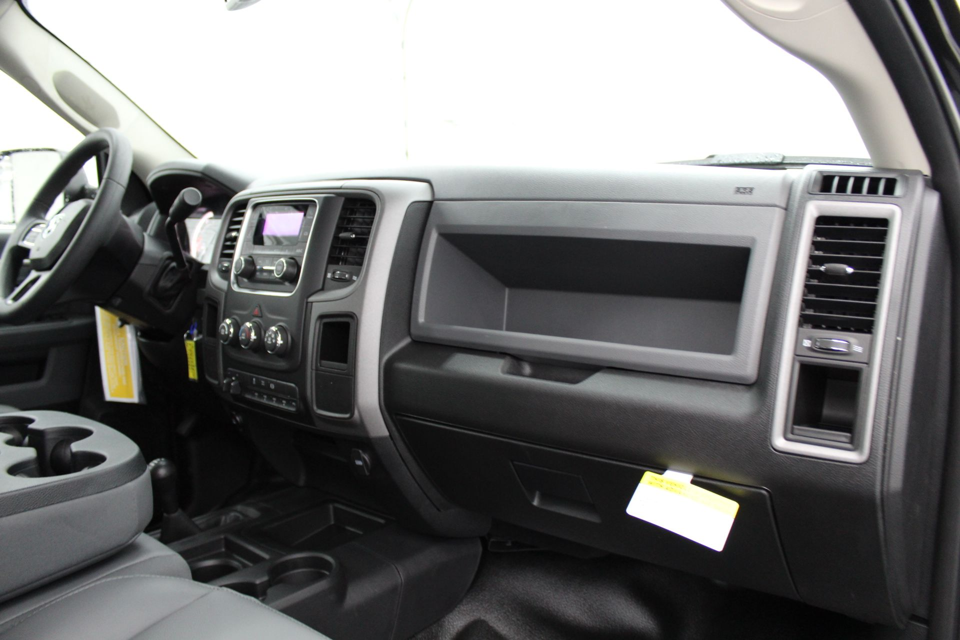 2018 Ram 5500 Regular Cab DRW 4x4,  Cab Chassis #233582 - photo 20