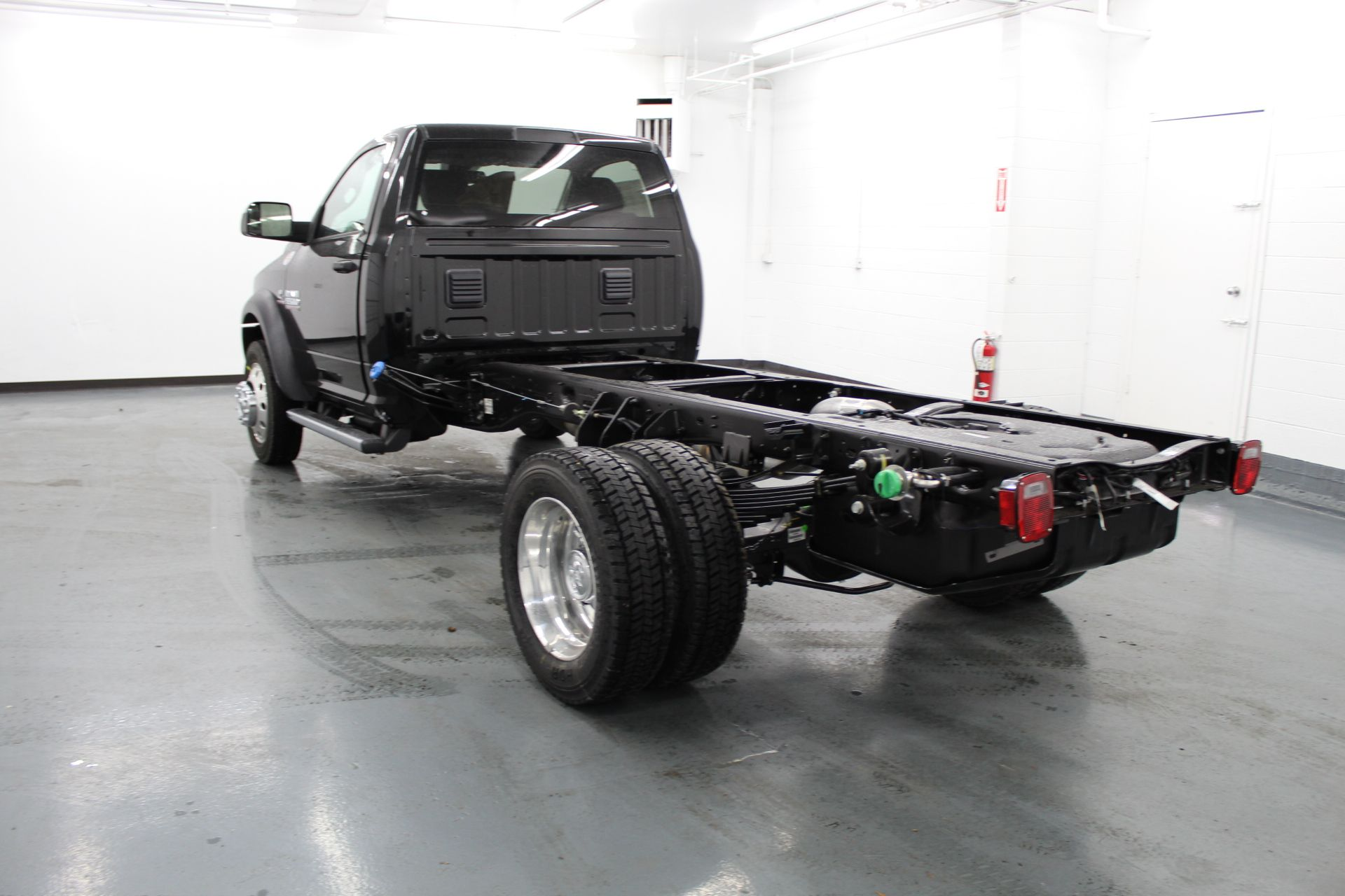 2018 Ram 5500 Regular Cab DRW 4x4,  Cab Chassis #233582 - photo 2