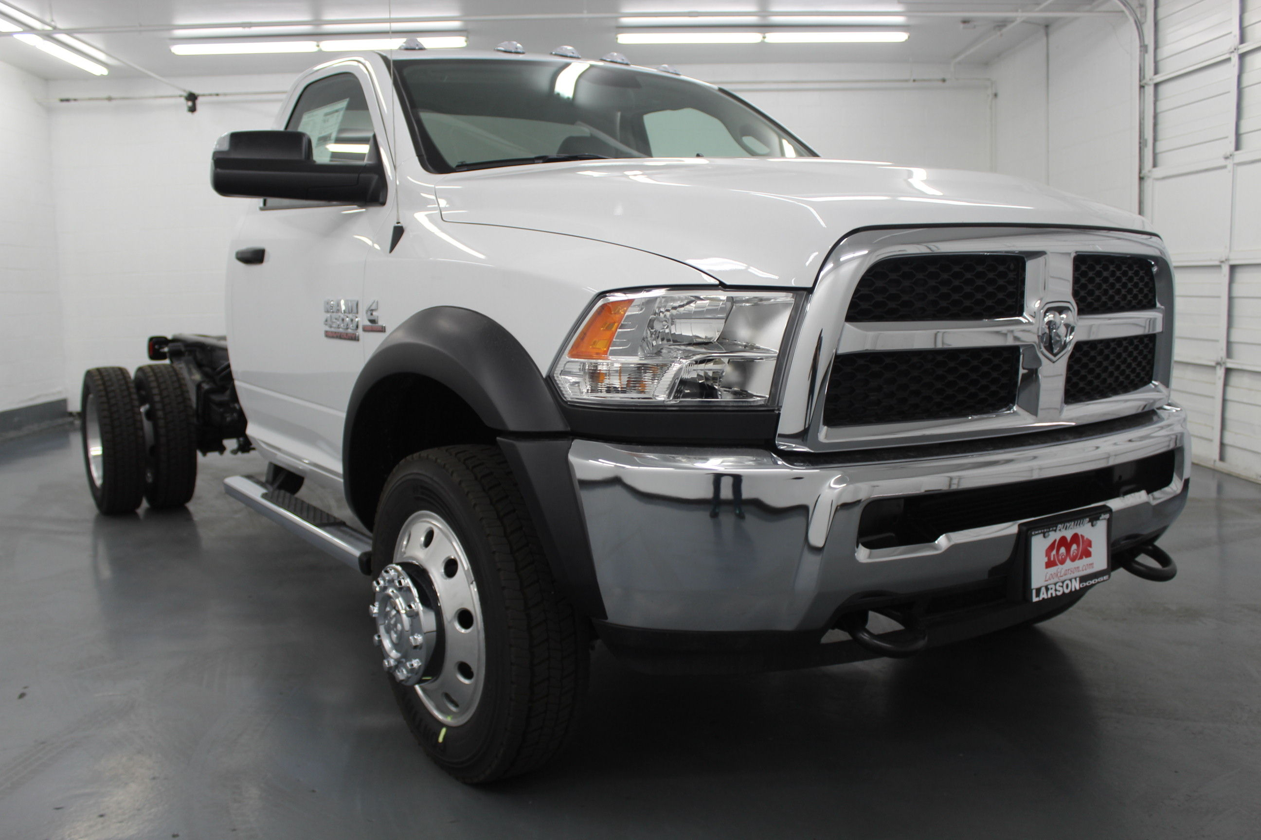 2018 Ram 4500 Regular Cab DRW 4x4,  Cab Chassis #263980 - photo 3