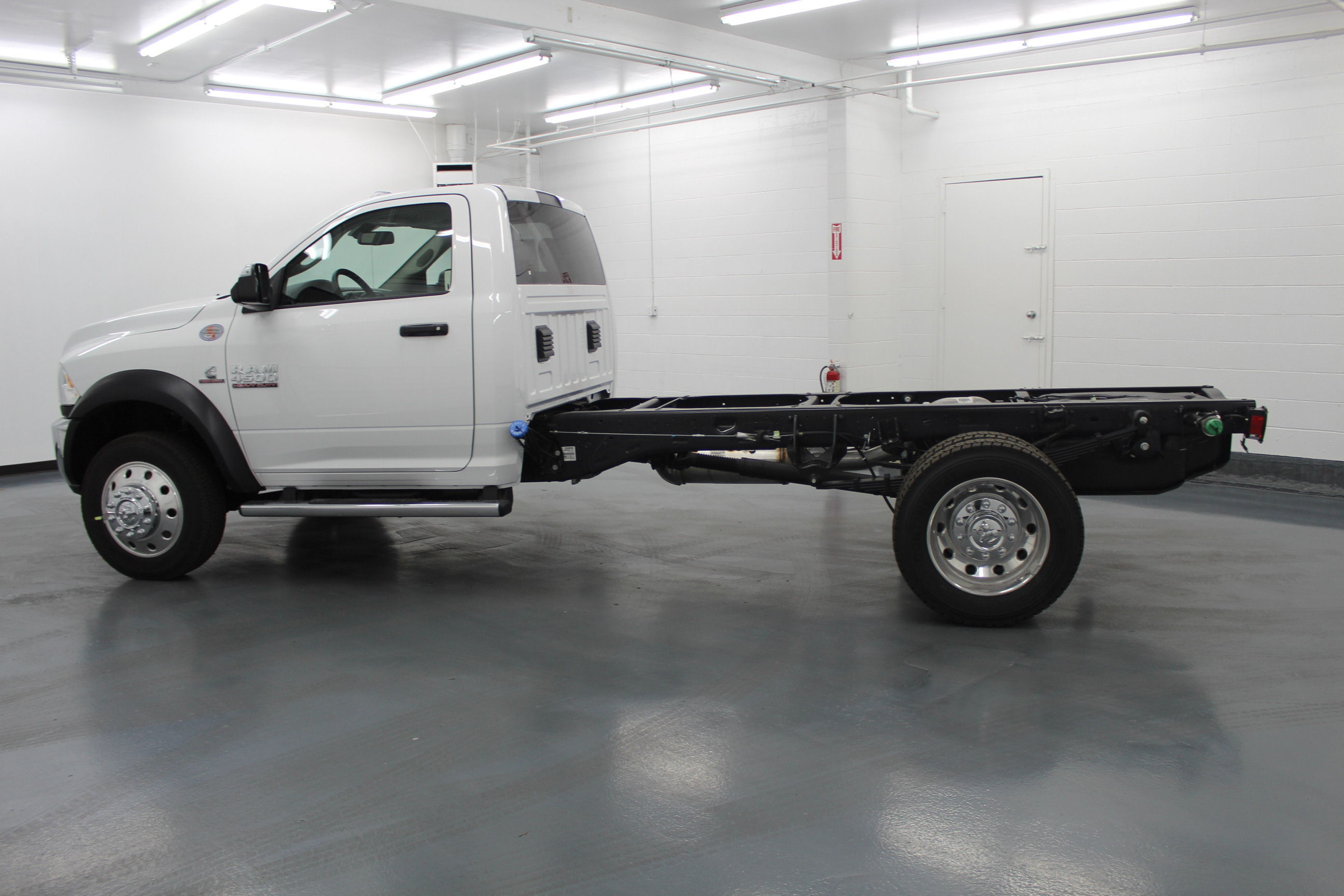 2018 Ram 4500 Regular Cab DRW 4x4,  Cab Chassis #263980 - photo 7