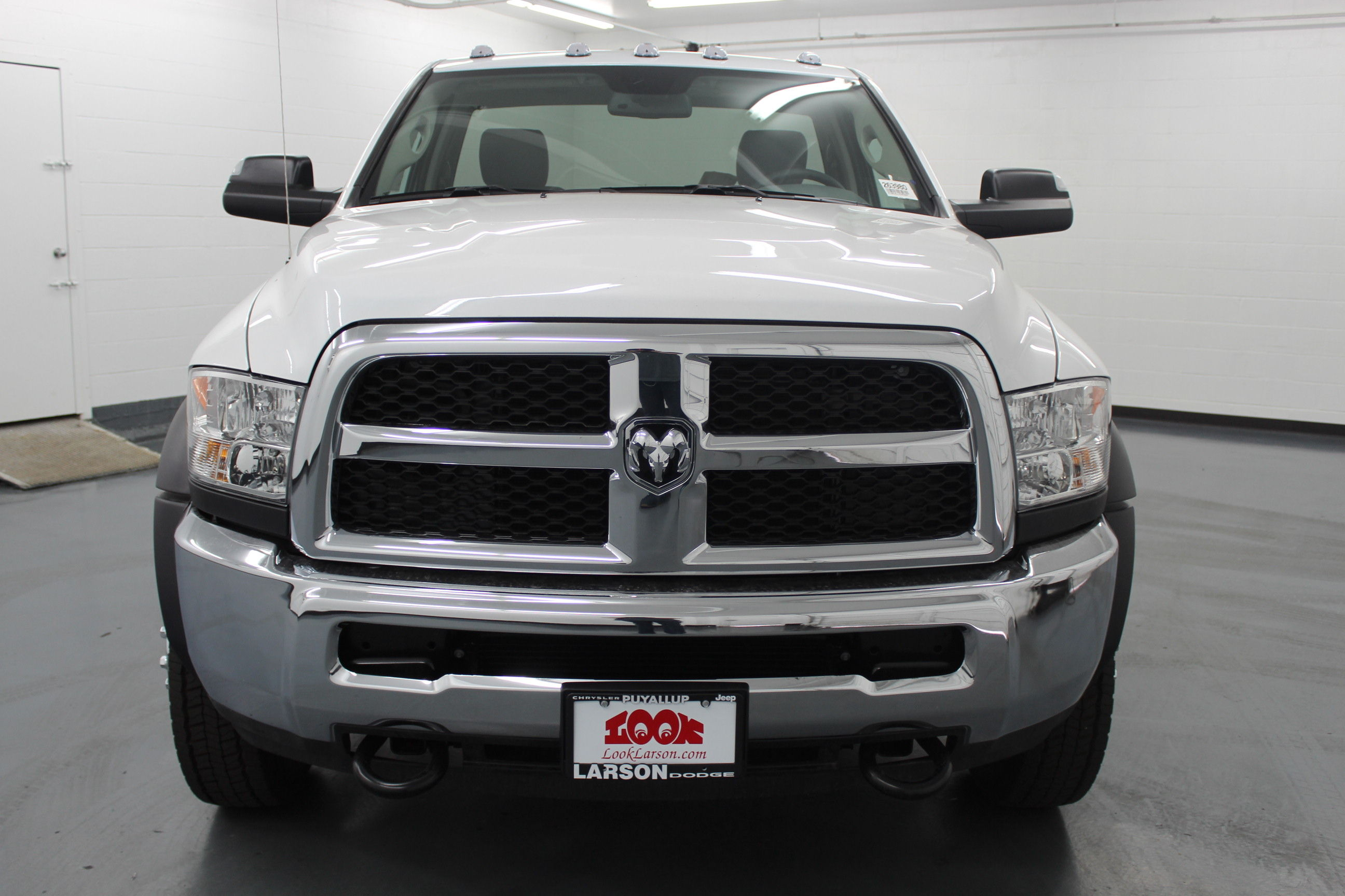 2018 Ram 4500 Regular Cab DRW 4x4,  Cab Chassis #263980 - photo 8