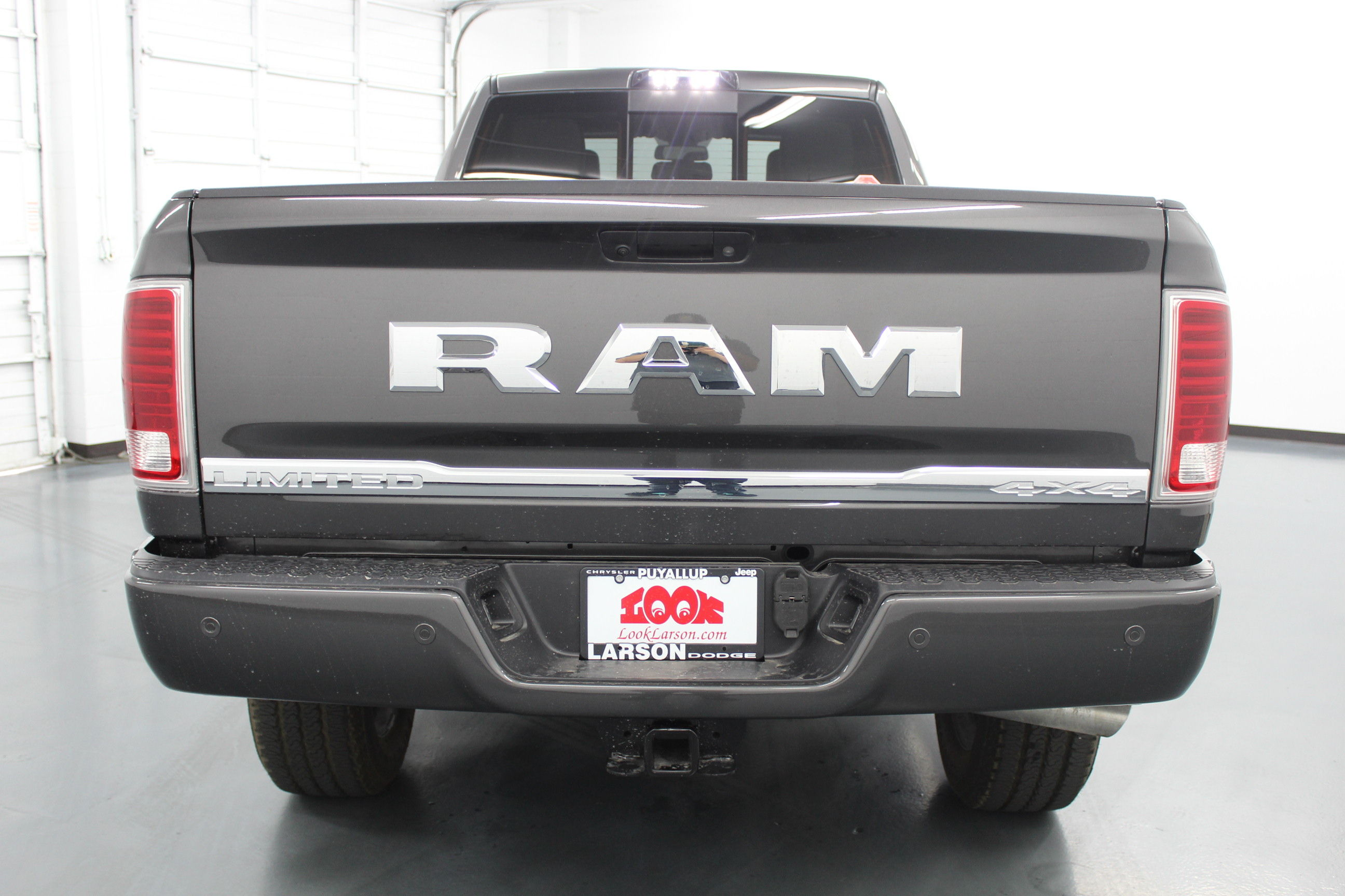 2018 Ram 3500 Crew Cab 4x4,  Pickup #294664 - photo 6