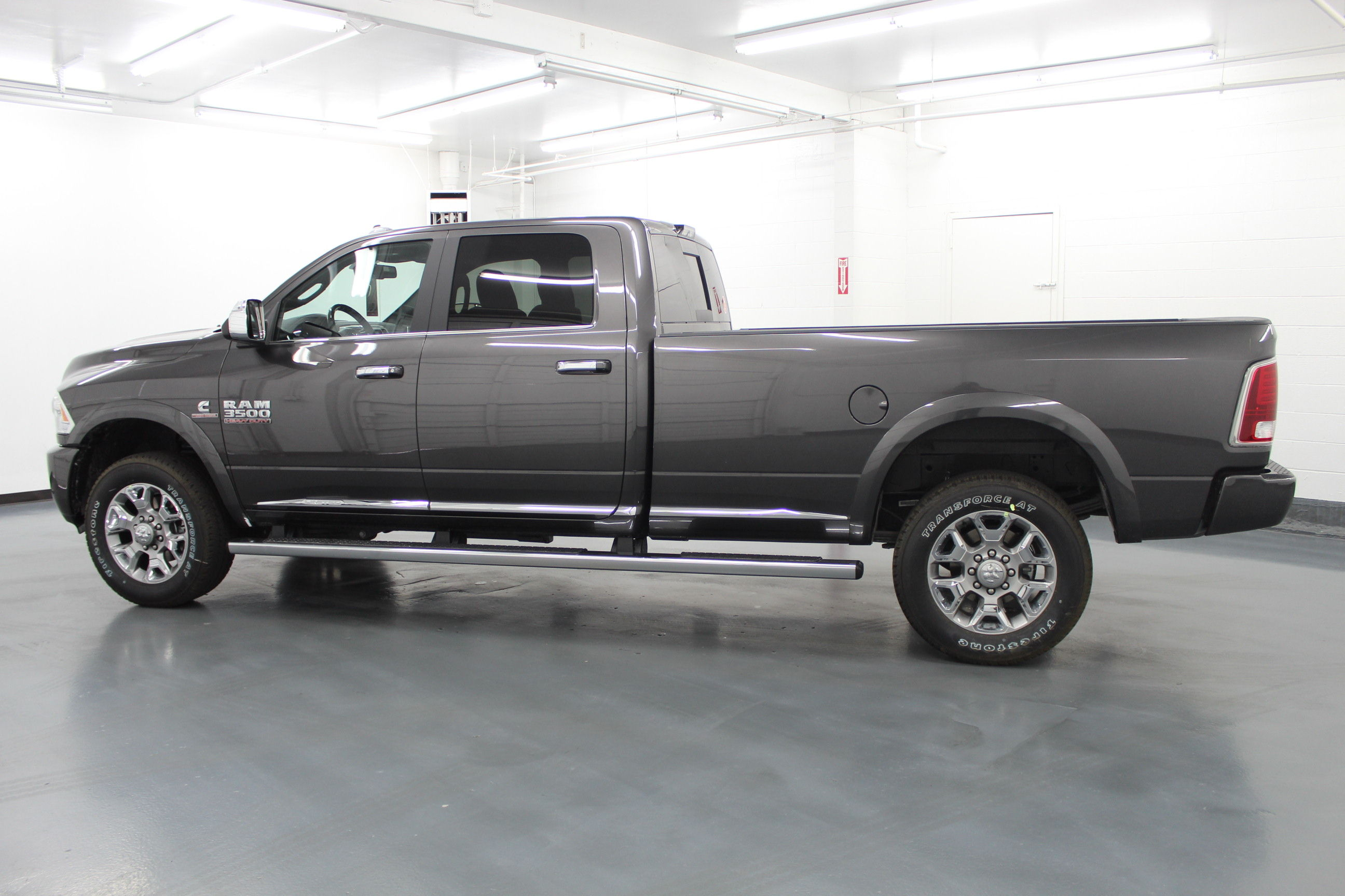 2018 Ram 3500 Crew Cab 4x4,  Pickup #294664 - photo 7