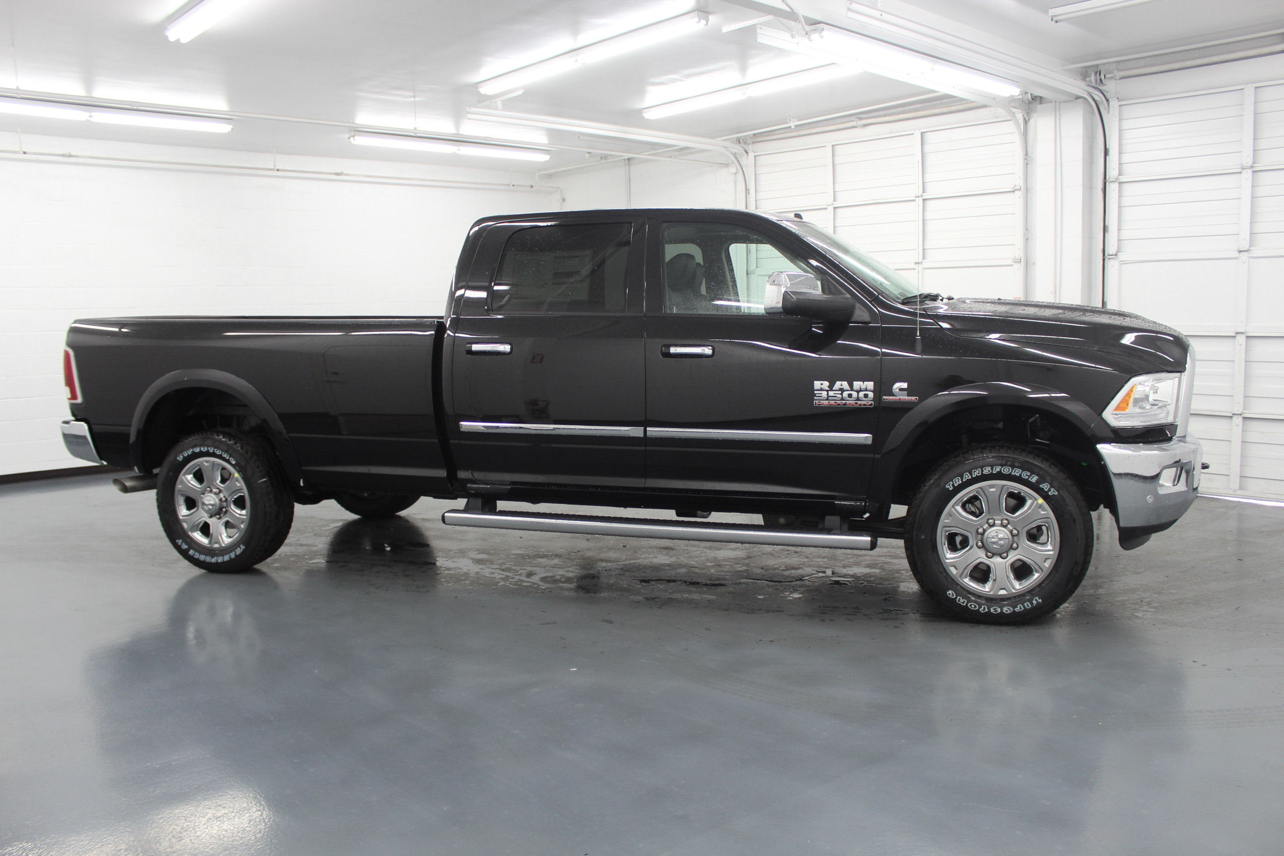 2018 Ram 3500 Crew Cab 4x4,  Pickup #299700 - photo 4
