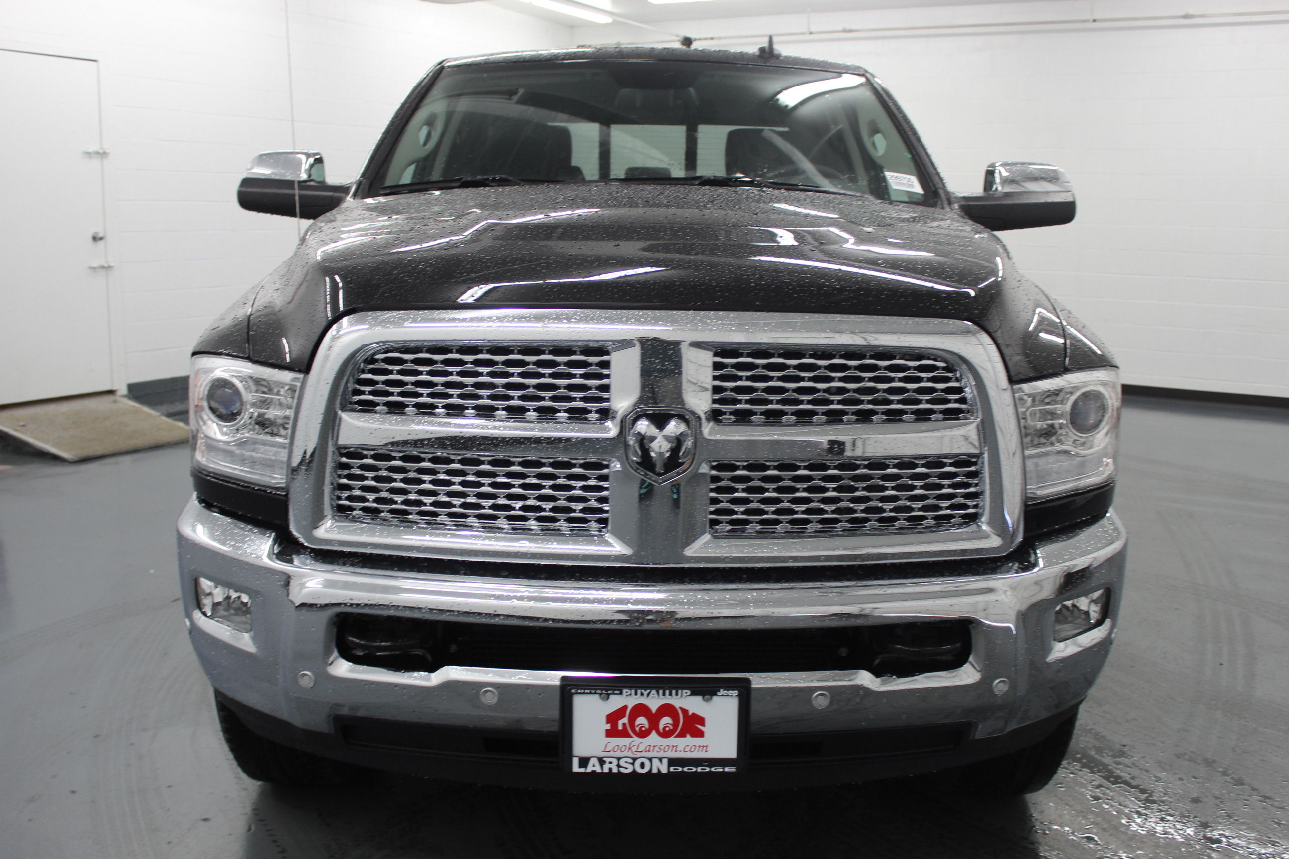 2018 Ram 3500 Crew Cab 4x4,  Pickup #299700 - photo 8