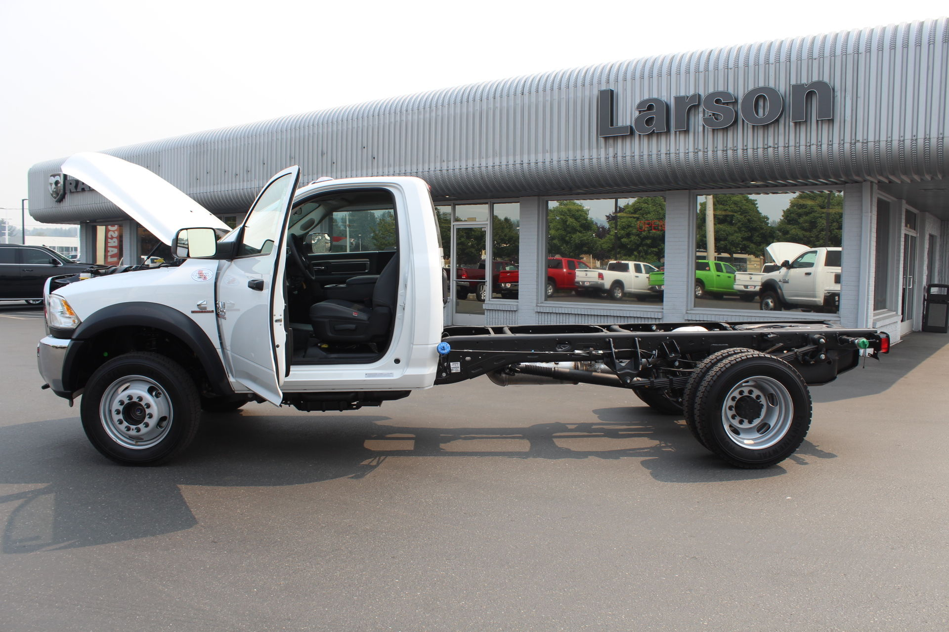 2018 Ram 4500 Regular Cab DRW 4x4,  Cab Chassis #304576 - photo 11