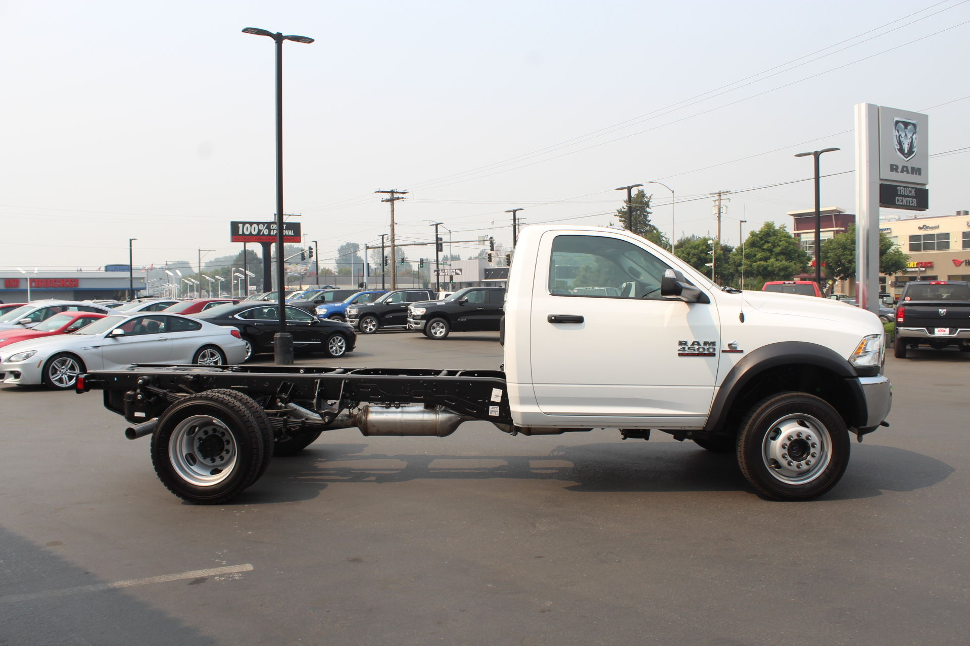 2018 Ram 4500 Regular Cab DRW 4x4,  Cab Chassis #304576 - photo 4