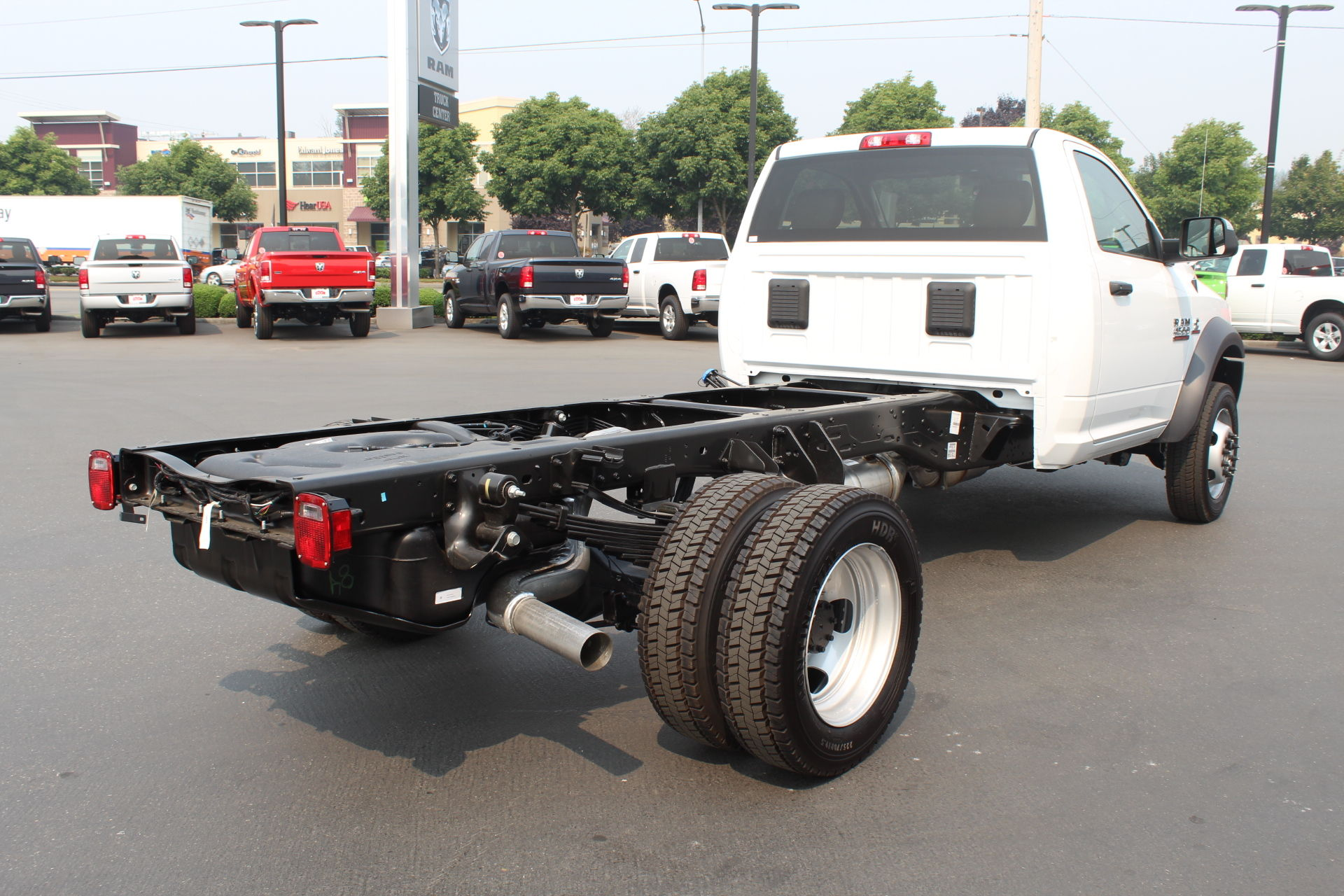 2018 Ram 4500 Regular Cab DRW 4x4,  Cab Chassis #304576 - photo 5