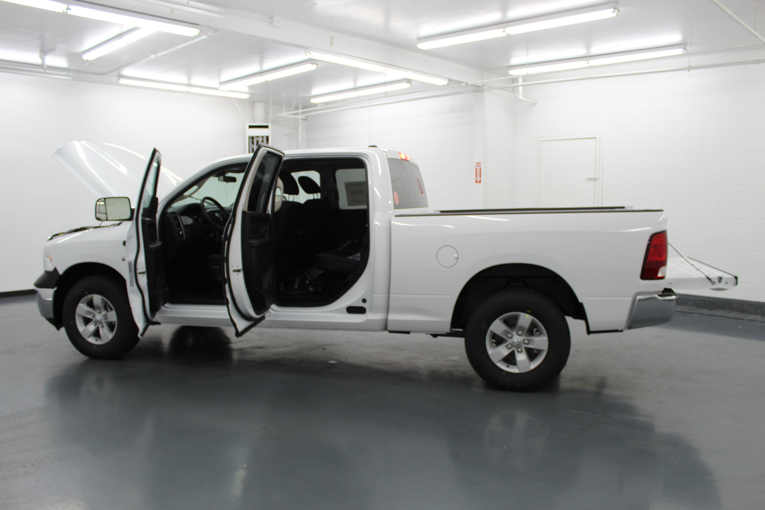 2018 Ram 1500 Crew Cab 4x4,  Pickup #314426 - photo 11