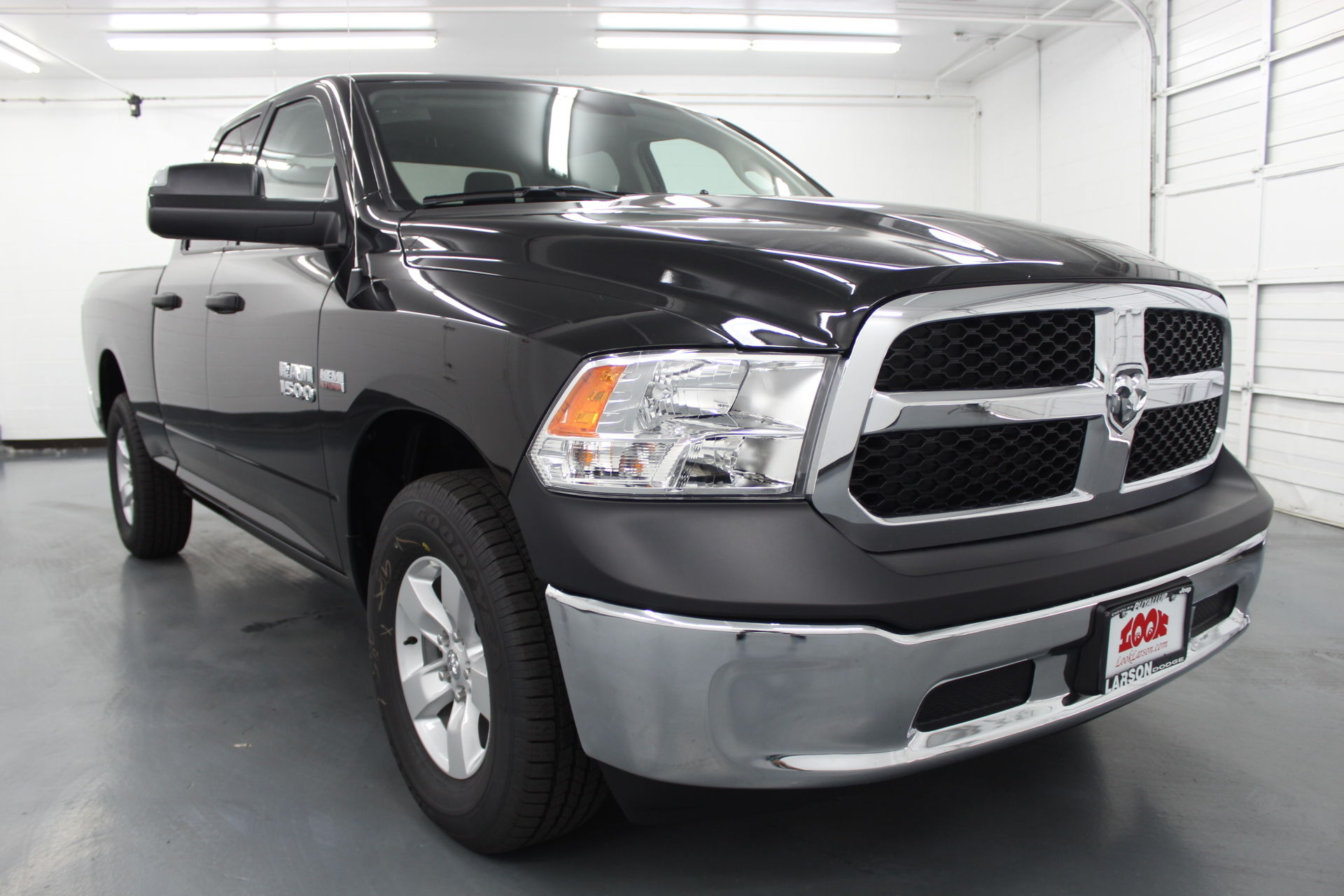 2018 Ram 1500 Quad Cab 4x4,  Pickup #328349 - photo 3
