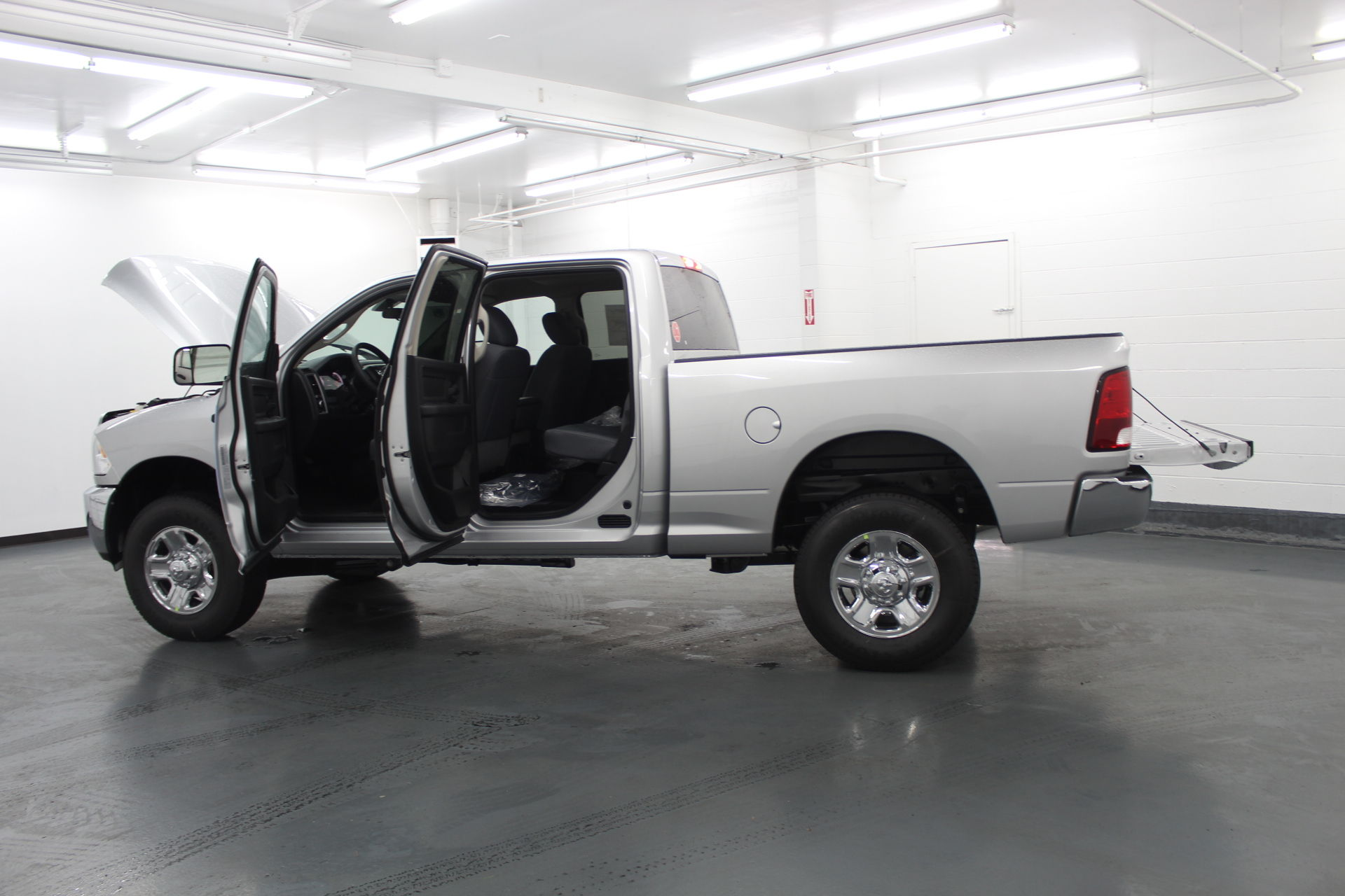 2018 Ram 2500 Crew Cab 4x4,  Pickup #329812 - photo 11