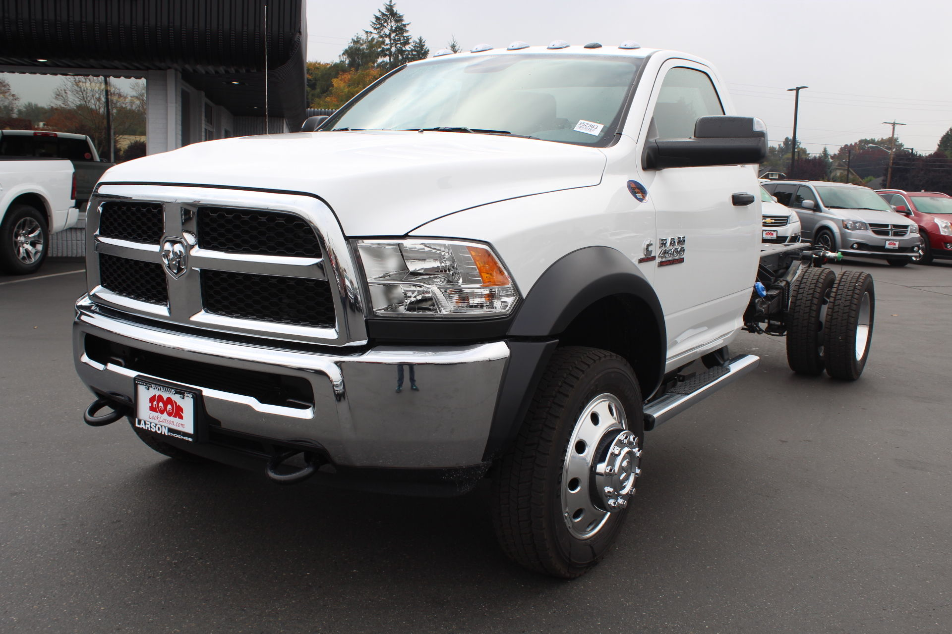 2018 Ram 4500 Regular Cab DRW 4x4,  Cab Chassis #352363 - photo 7