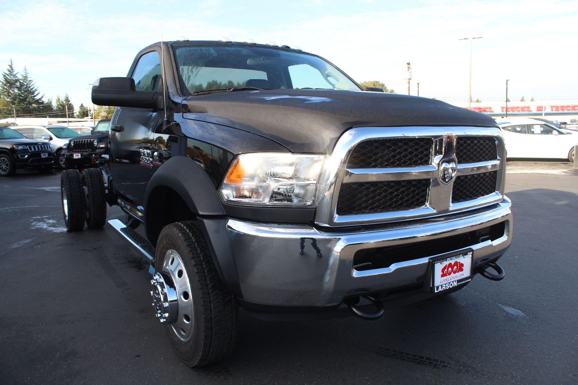2018 Ram 4500 Regular Cab DRW 4x4,  Cab Chassis #360497 - photo 3