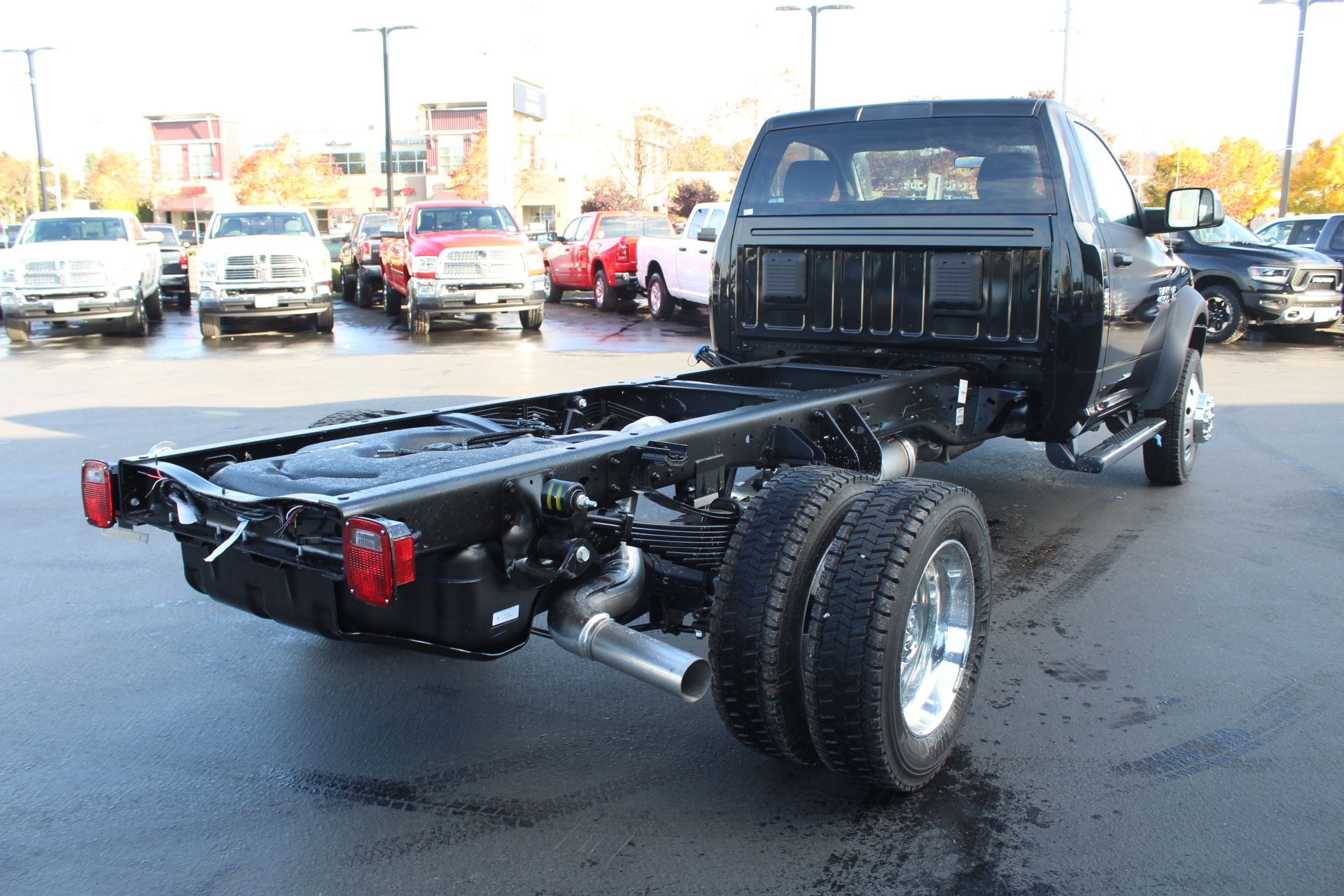 2018 Ram 4500 Regular Cab DRW 4x4,  Cab Chassis #360497 - photo 5