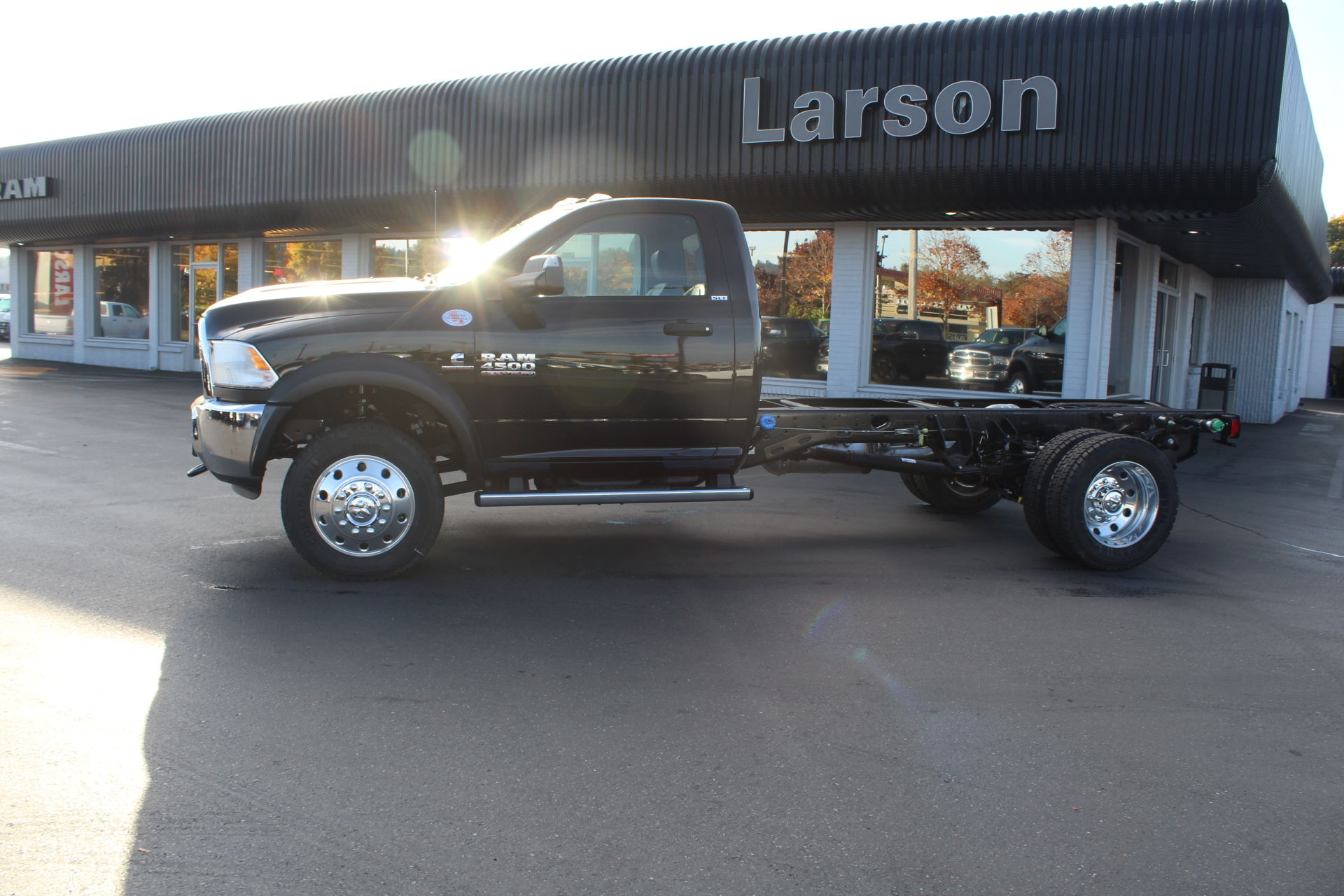 2018 Ram 4500 Regular Cab DRW 4x4,  Cab Chassis #360497 - photo 7