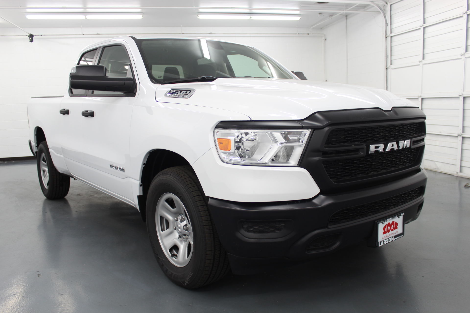 2019 Ram 1500 Quad Cab 4x2,  Pickup #526947 - photo 3