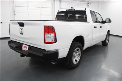 2019 Ram 1500 Quad Cab 4x2,  Pickup #526947 - photo 5