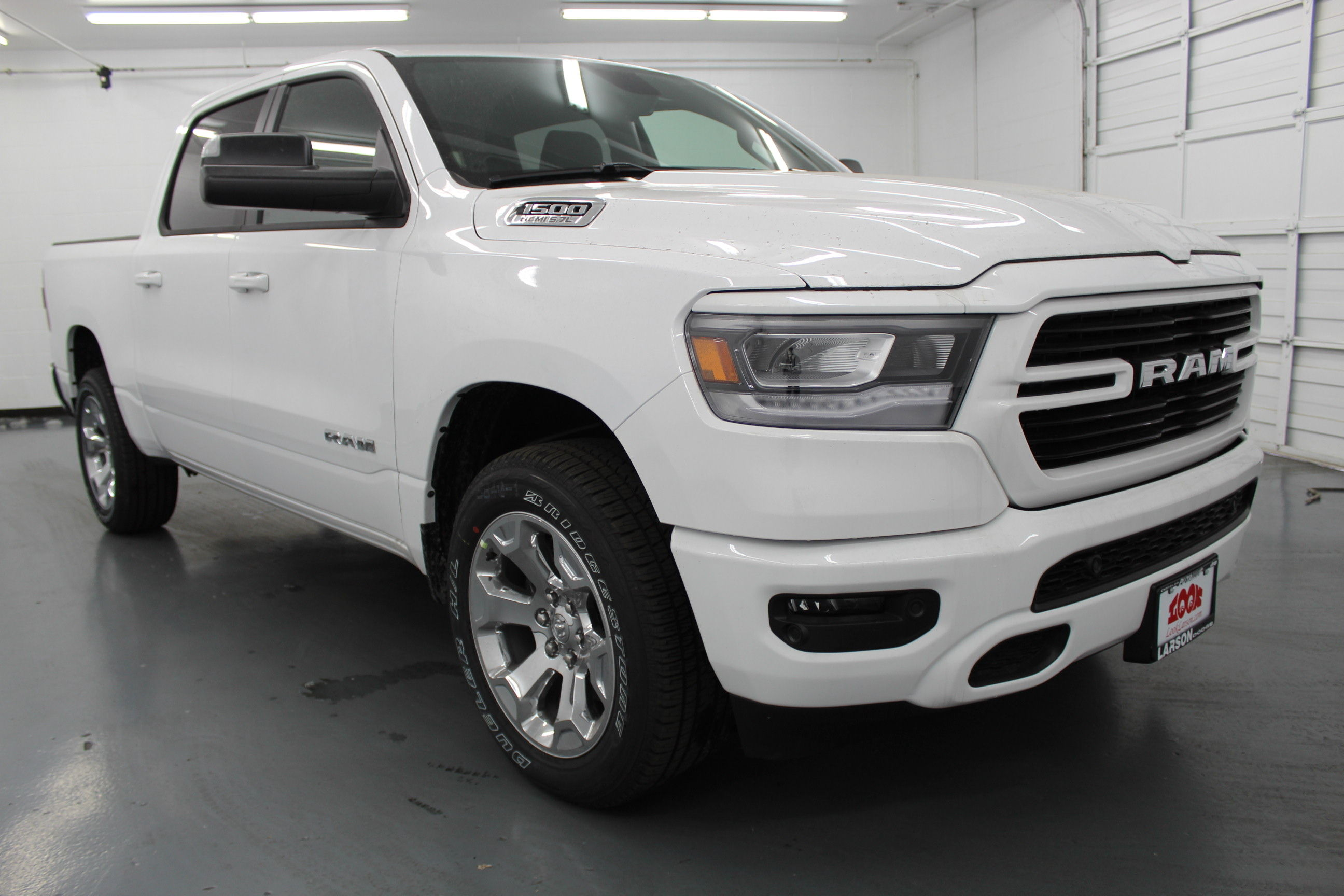 2019 Ram 1500 Crew Cab 4x4,  Pickup #532657 - photo 3