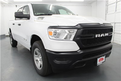 2019 Ram 1500 Crew Cab 4x4,  Pickup #547561 - photo 3