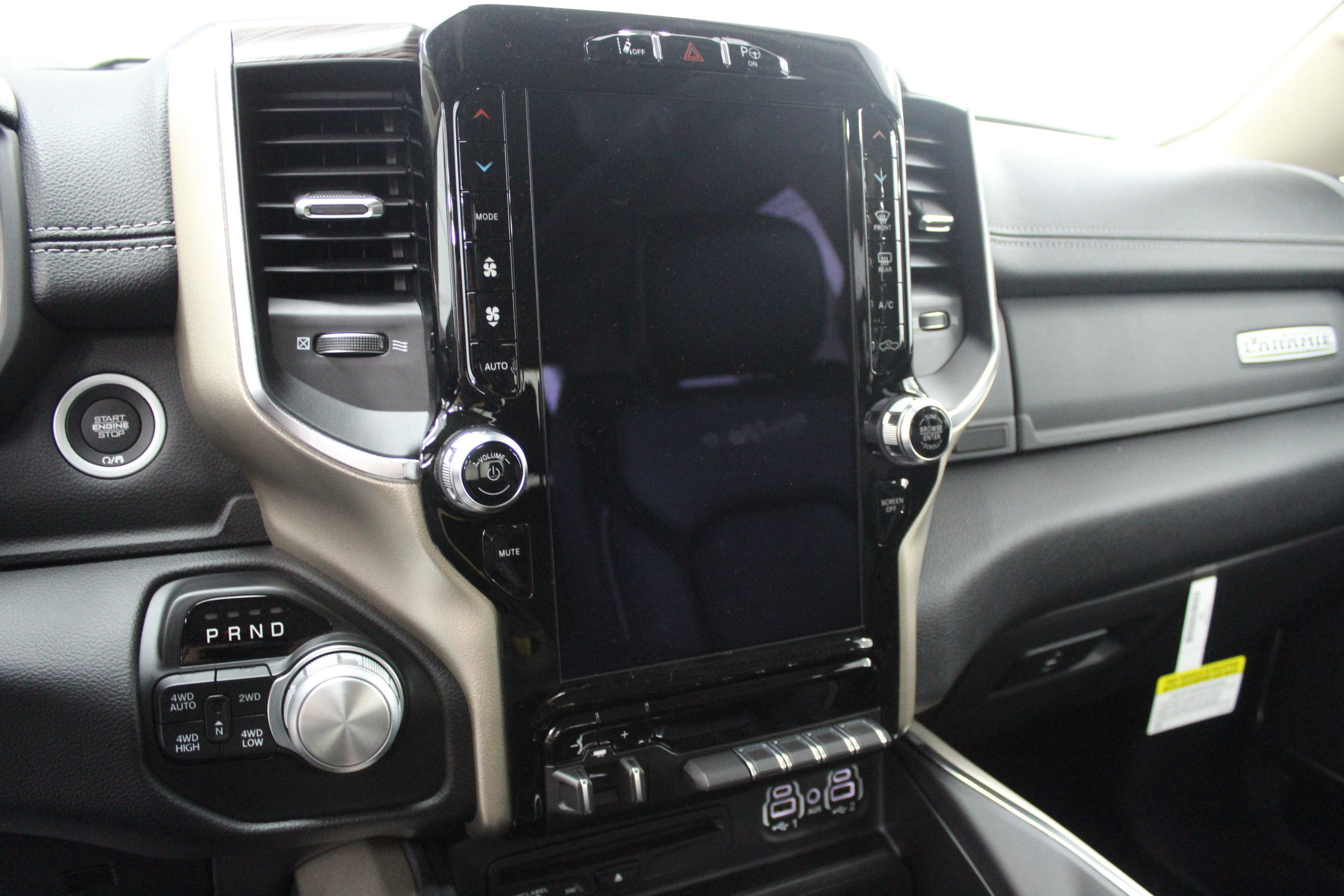 2019 Ram 1500 Crew Cab 4x4,  Pickup #553027 - photo 15