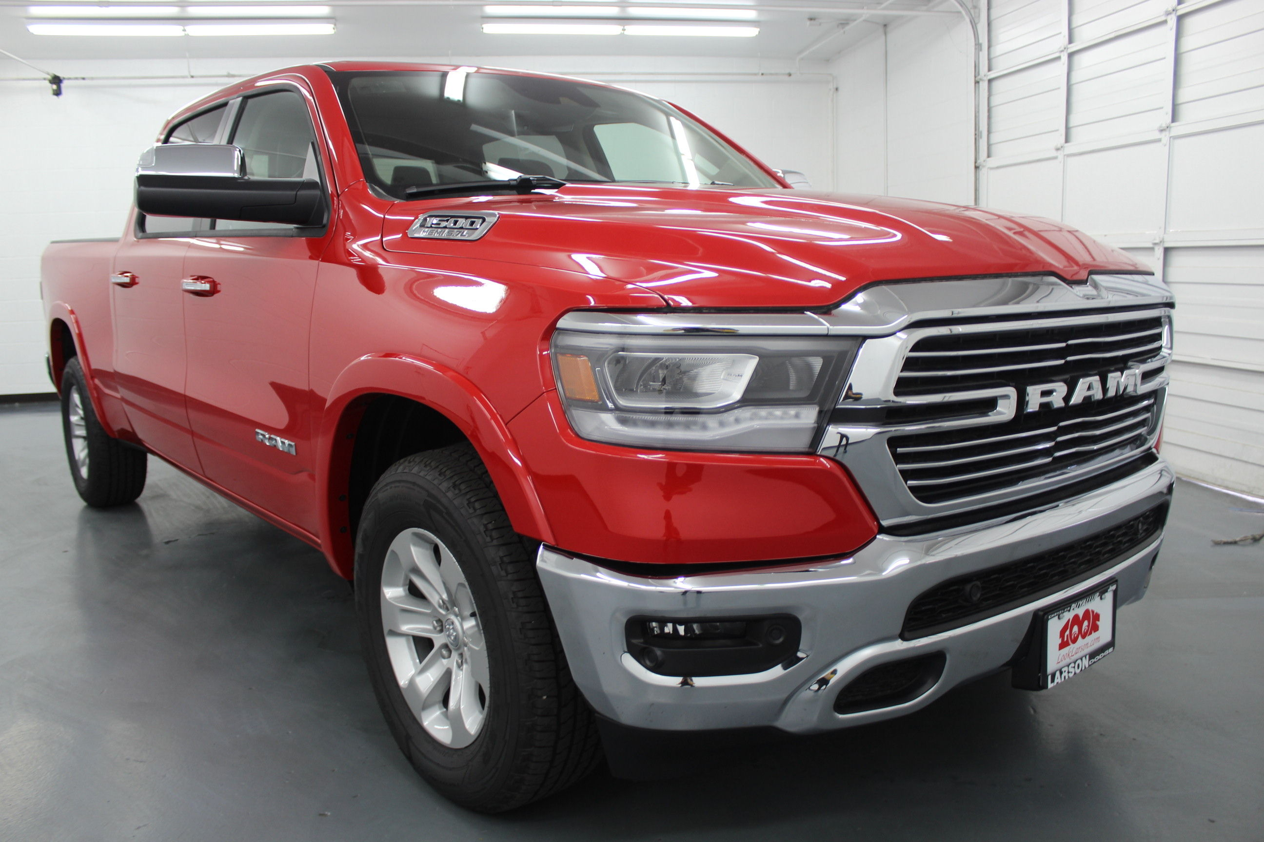 2019 Ram 1500 Crew Cab 4x4,  Pickup #553027 - photo 3
