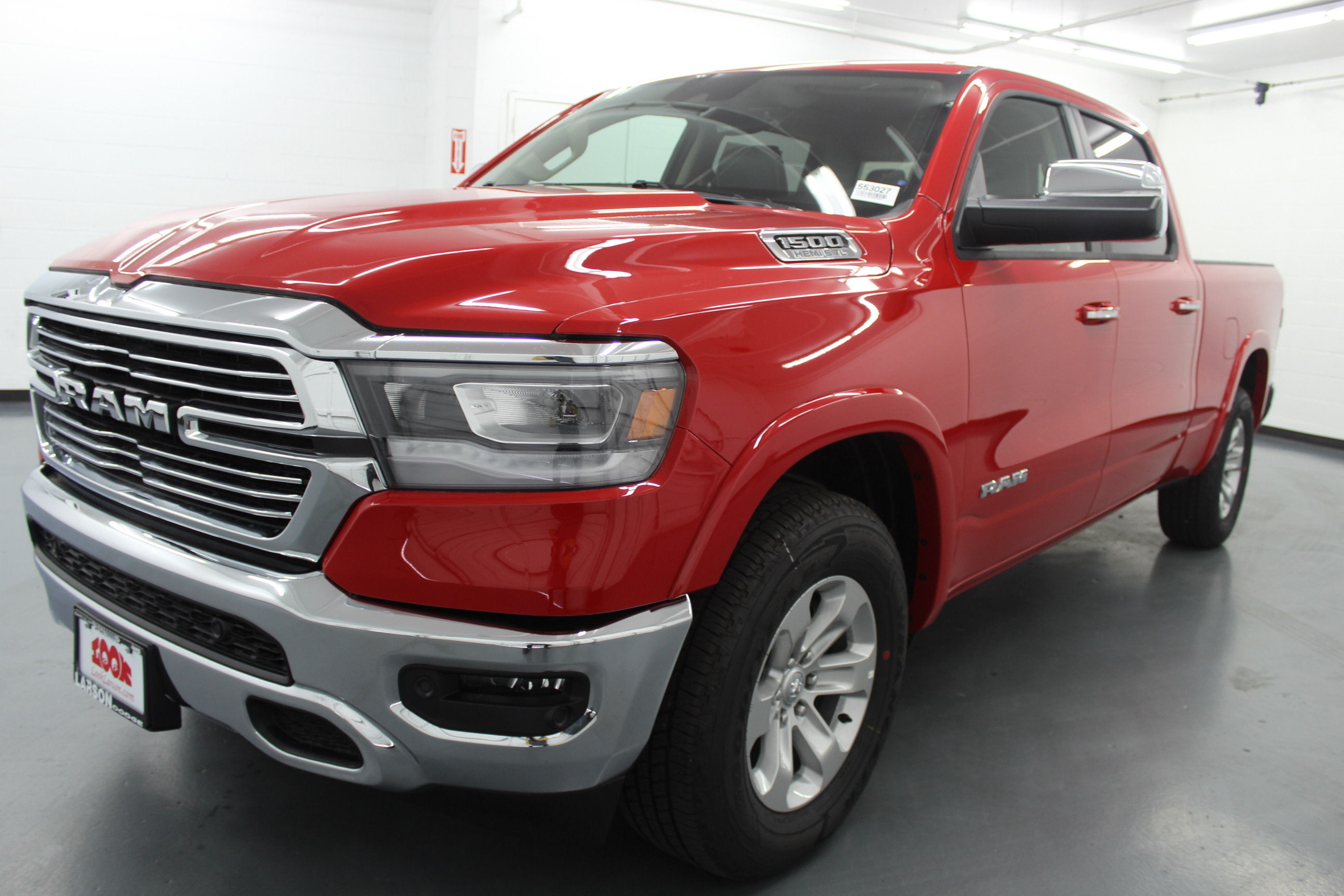 2019 Ram 1500 Crew Cab 4x4,  Pickup #553027 - photo 1