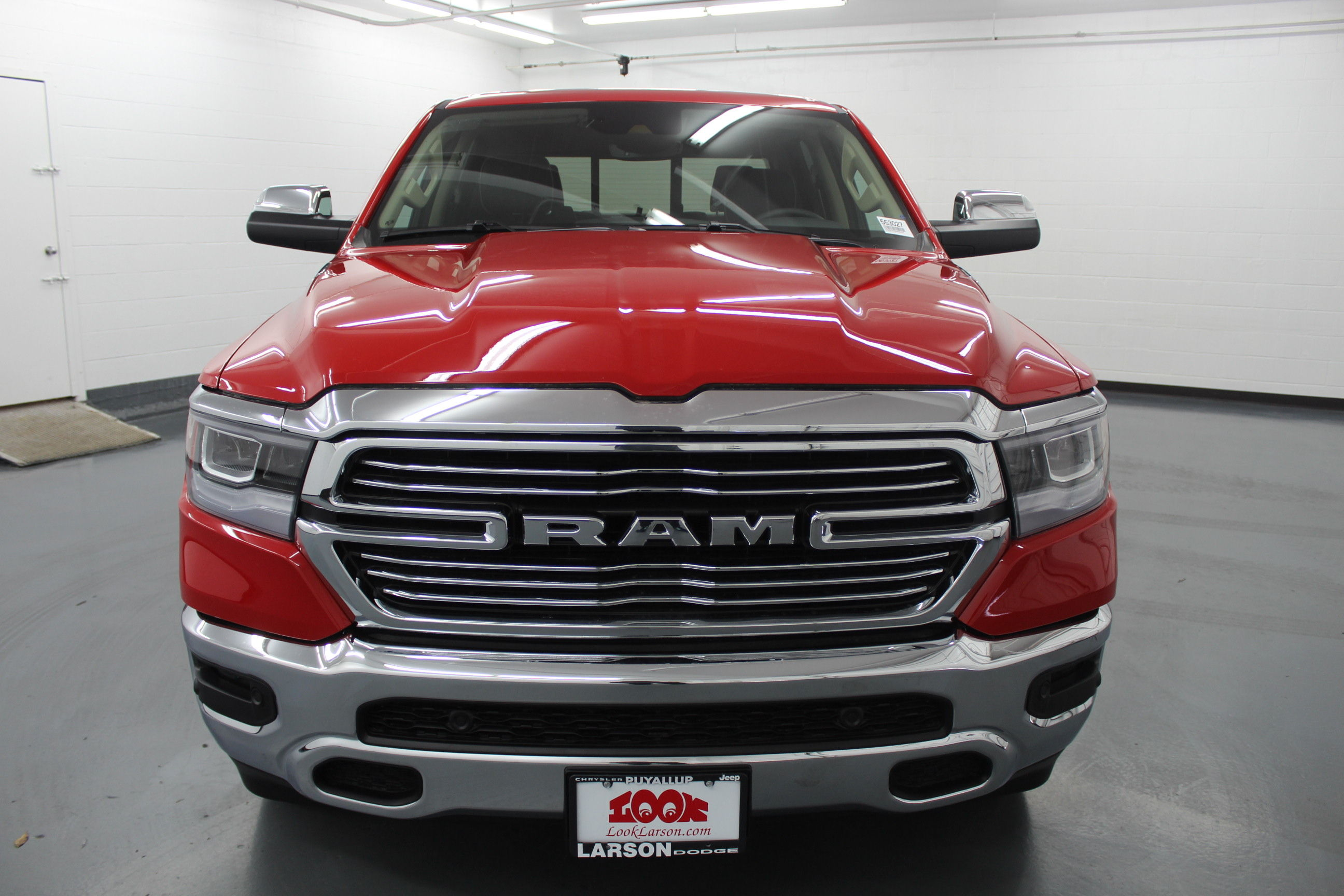 2019 Ram 1500 Crew Cab 4x4,  Pickup #553027 - photo 8