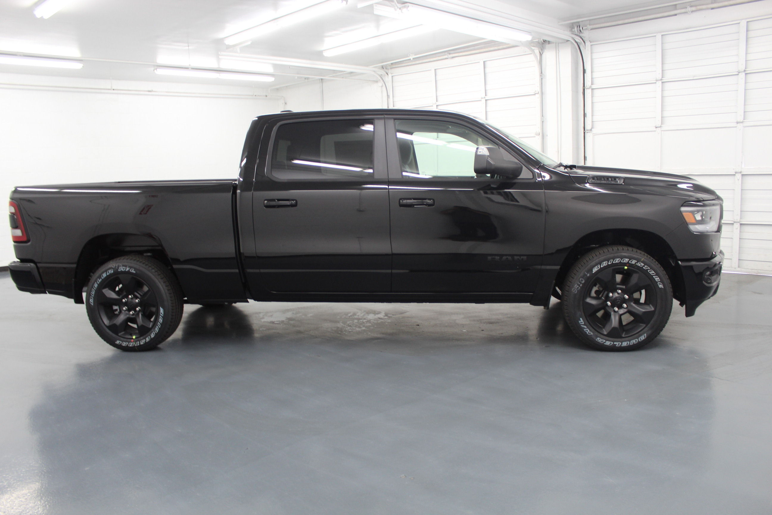 2019 Ram 1500 Crew Cab 4x4,  Pickup #553117 - photo 5