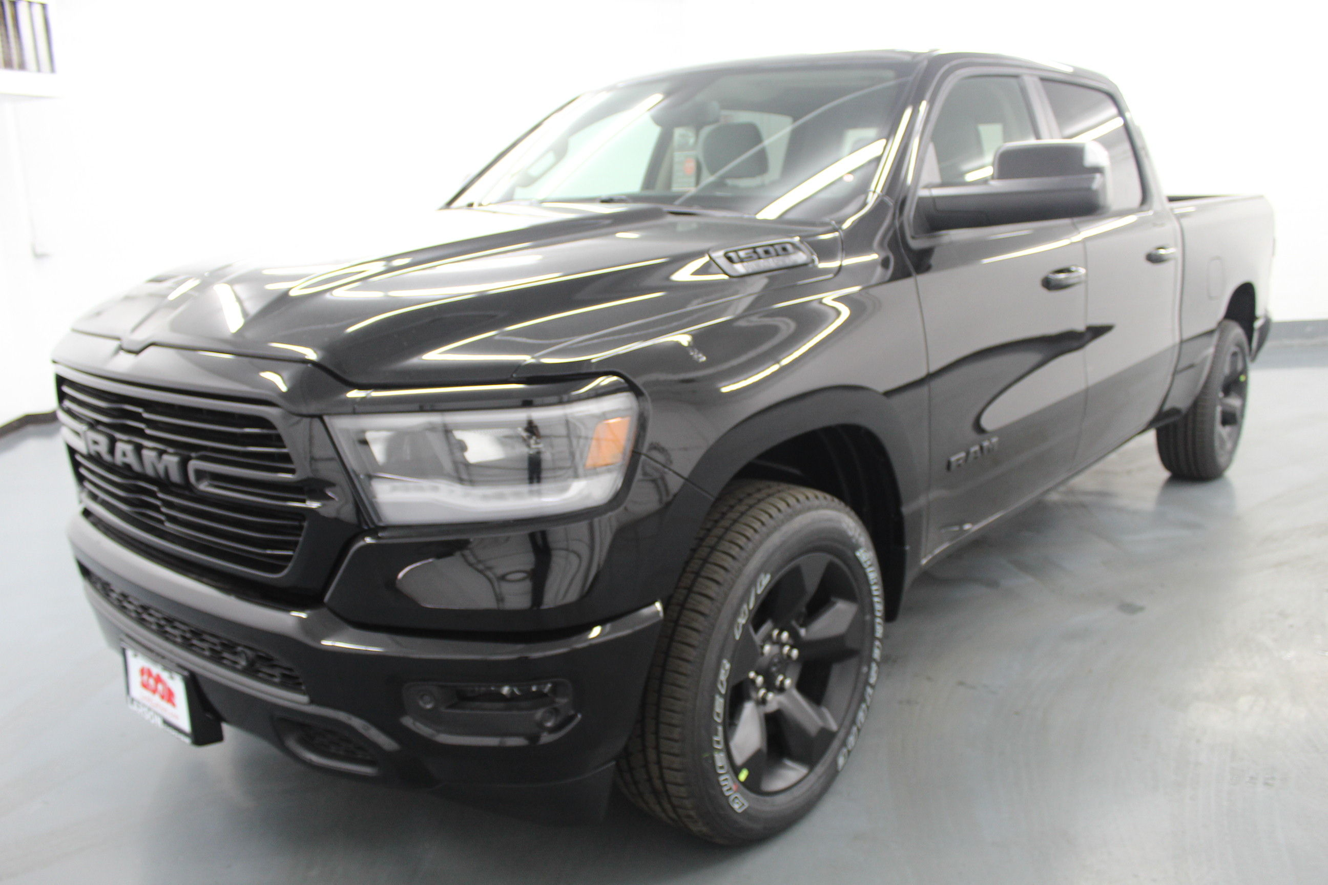 2019 Ram 1500 Crew Cab 4x4,  Pickup #553117 - photo 1