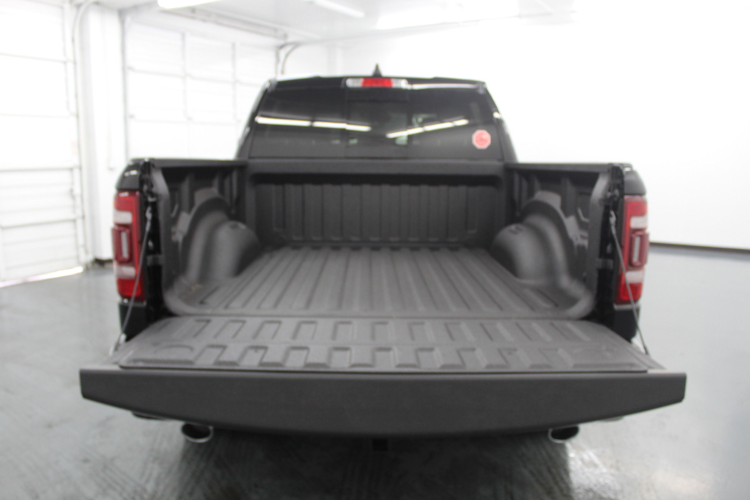 2019 Ram 1500 Crew Cab 4x4,  Pickup #553170 - photo 10