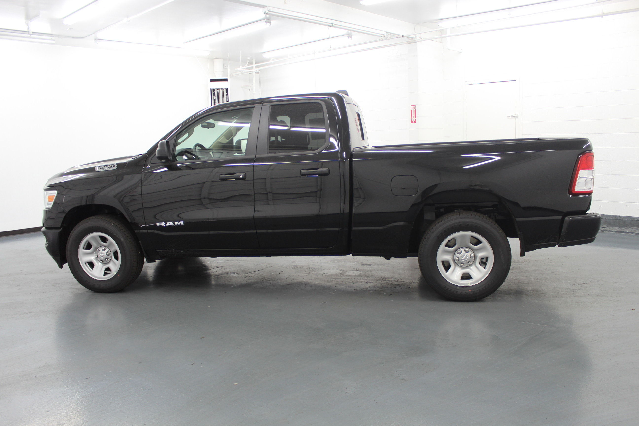 2019 Ram 1500 Quad Cab 4x4,  Pickup #556745 - photo 7