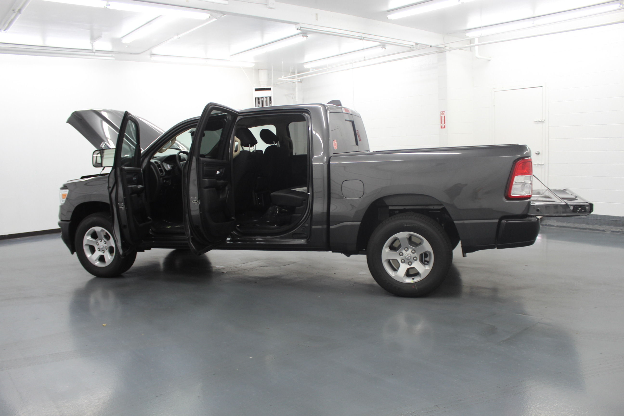 2019 Ram 1500 Crew Cab 4x4,  Pickup #561788 - photo 11