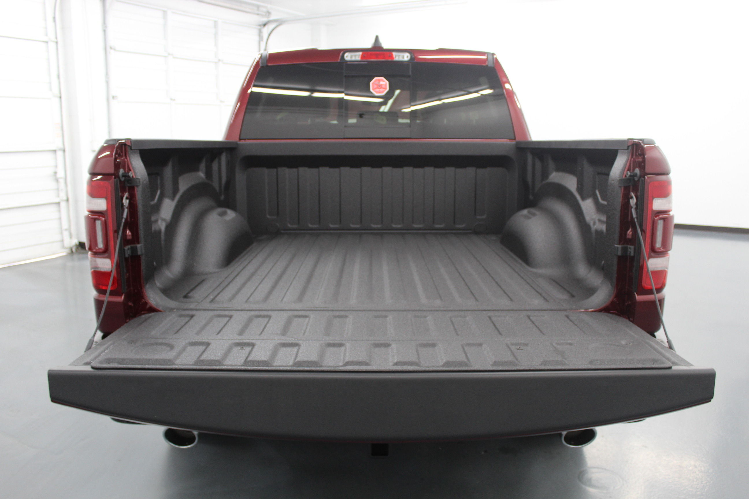 2019 Ram 1500 Crew Cab 4x4,  Pickup #572991 - photo 10