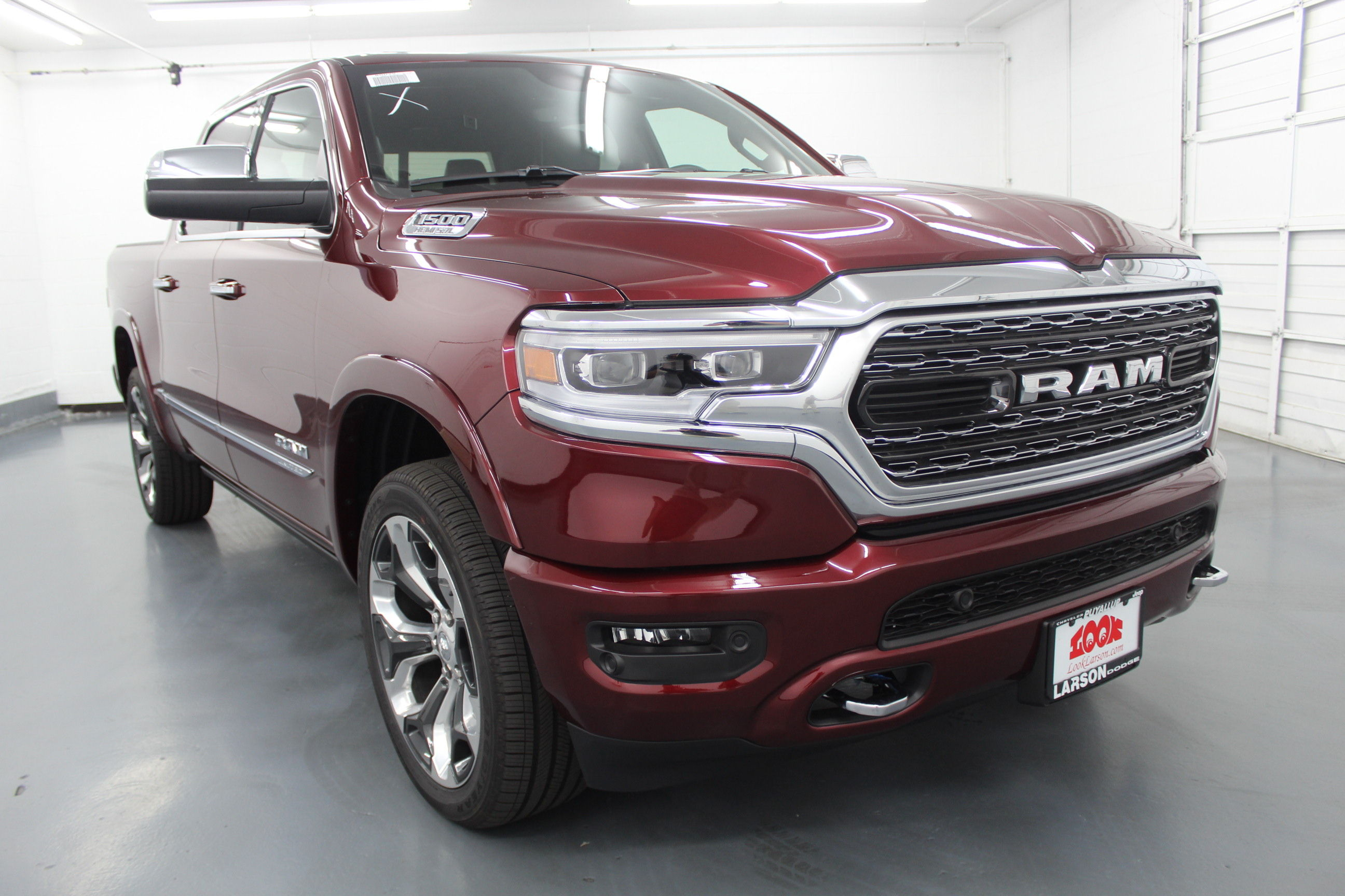 2019 Ram 1500 Crew Cab 4x4,  Pickup #572991 - photo 3
