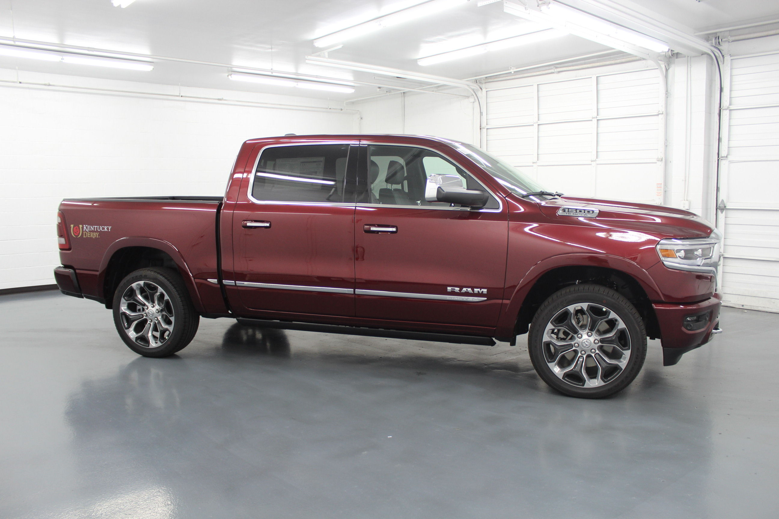 2019 Ram 1500 Crew Cab 4x4,  Pickup #572991 - photo 4