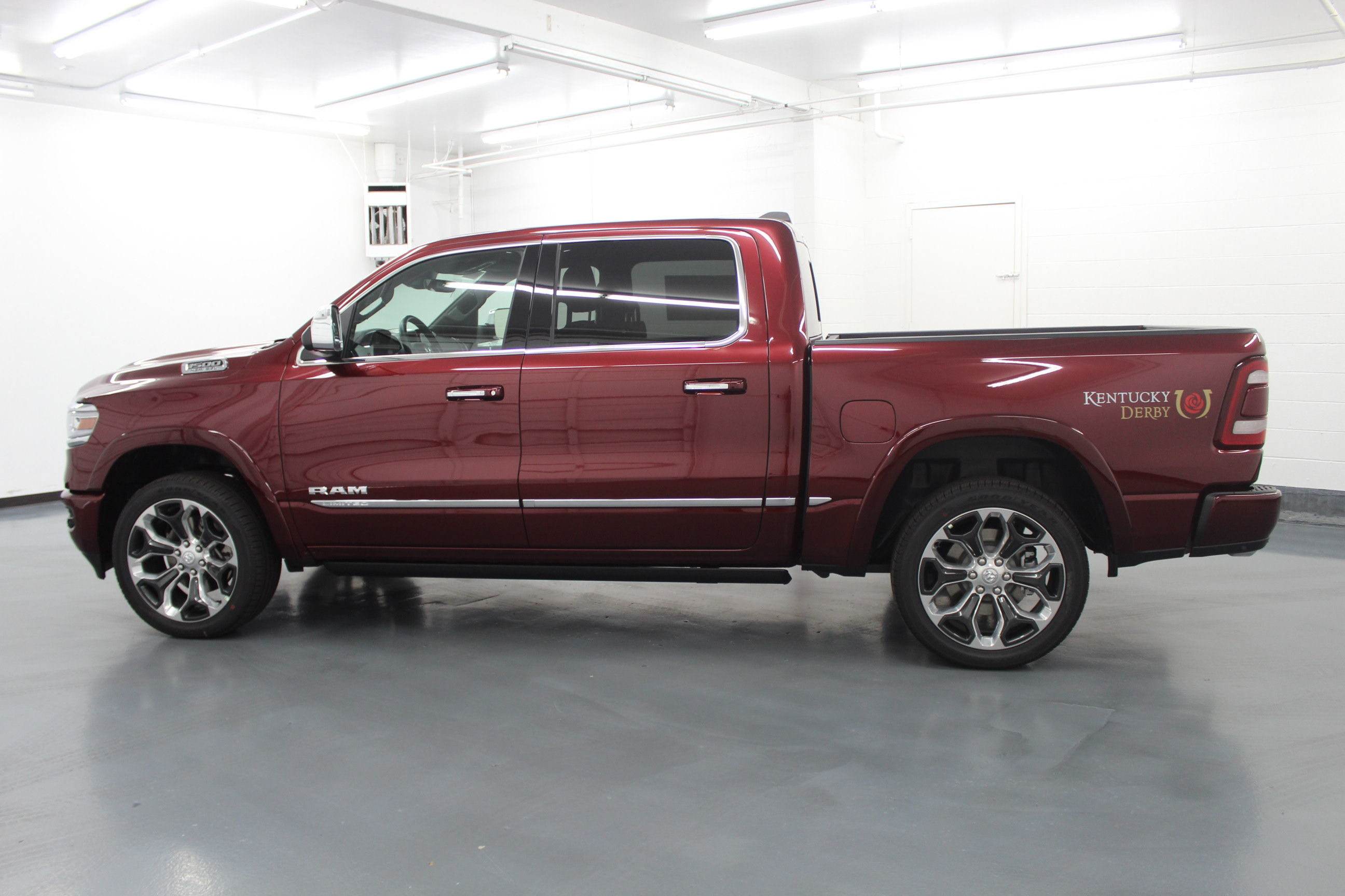 2019 Ram 1500 Crew Cab 4x4,  Pickup #572991 - photo 7