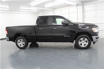2019 Ram 1500 Quad Cab 4x4,  Pickup #577434 - photo 4