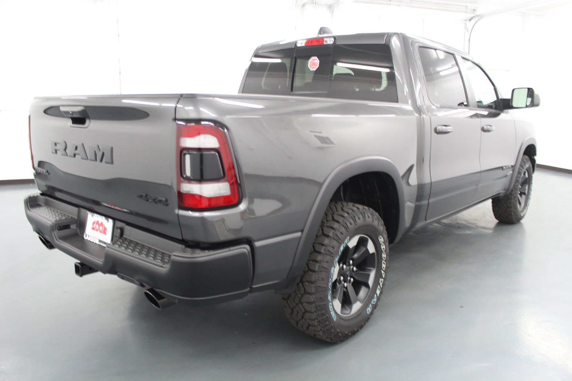 2019 Ram 1500 Crew Cab 4x4,  Pickup #586888 - photo 4