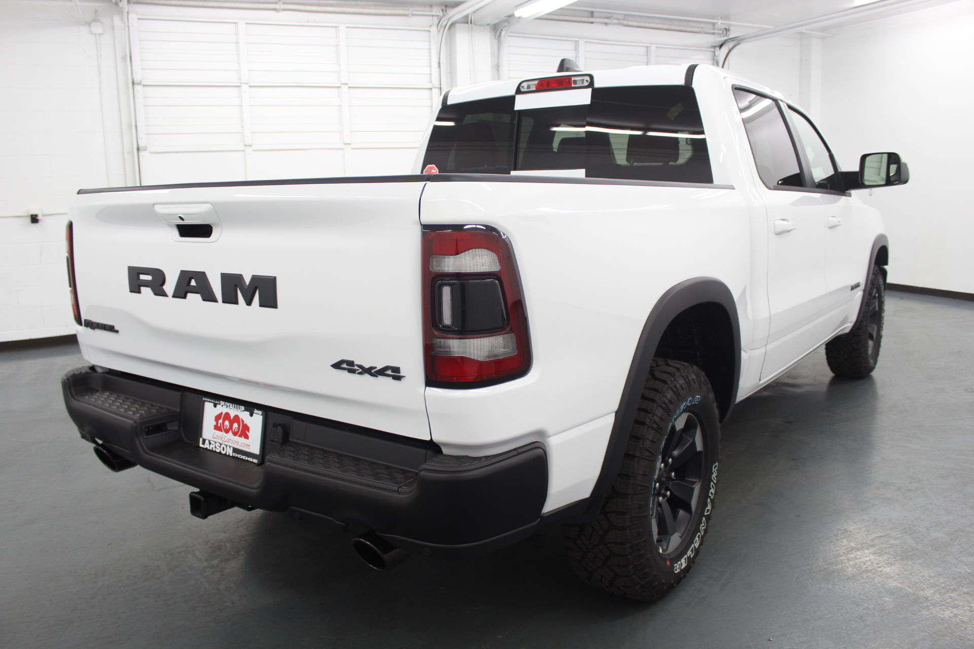 2019 Ram 1500 Crew Cab 4x4,  Pickup #592610 - photo 4
