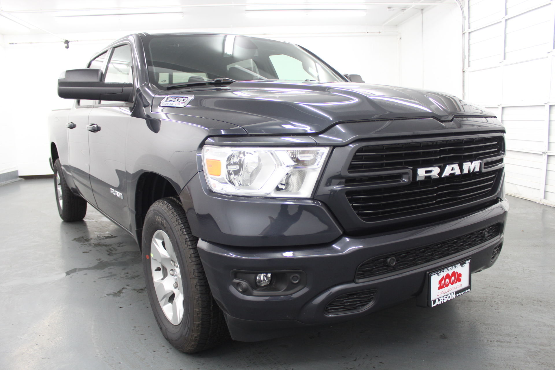 2019 Ram 1500 Crew Cab 4x4,  Pickup #599377 - photo 3