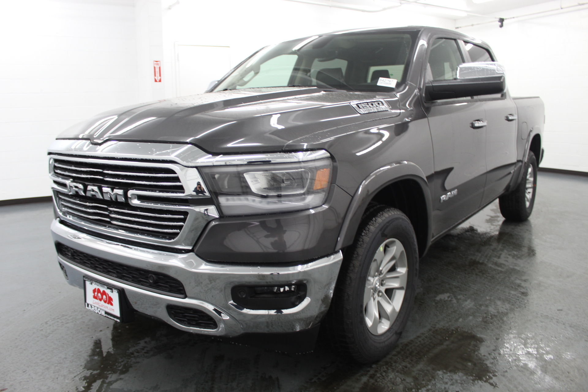 2019 Ram 1500 Crew Cab 4x4,  Pickup #642797 - photo 1