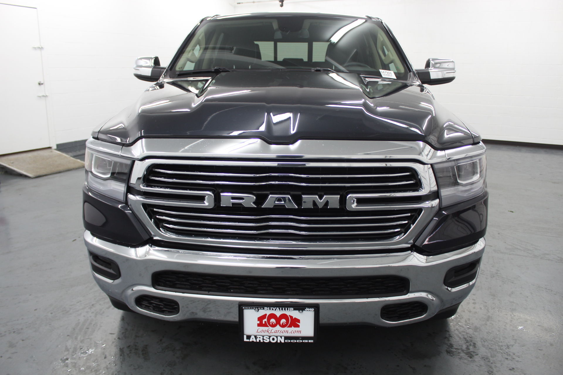 2019 Ram 1500 Crew Cab 4x4,  Pickup #647908 - photo 8