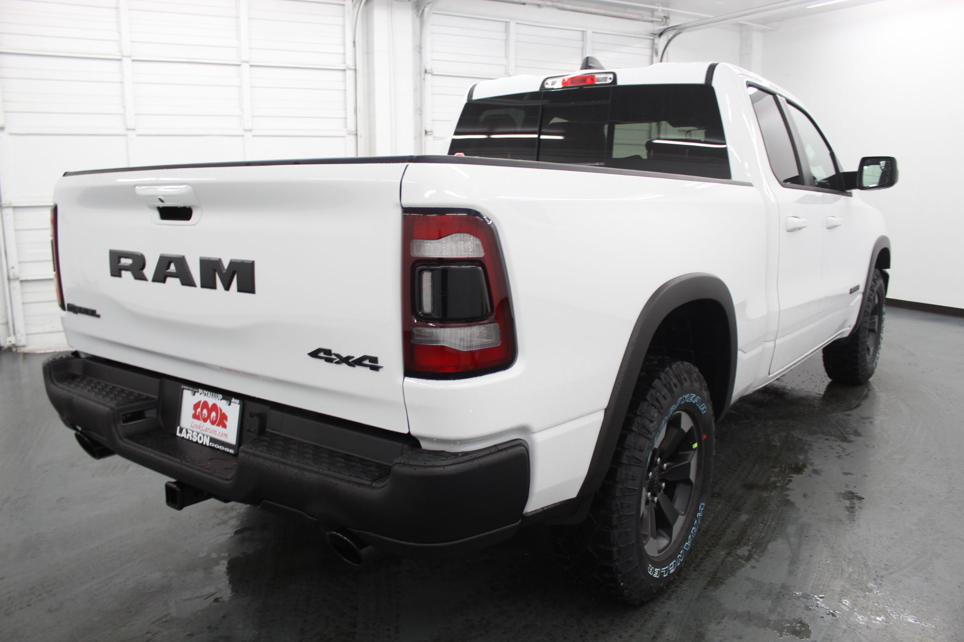 2019 Ram 1500 Quad Cab 4x4,  Pickup #676099 - photo 5