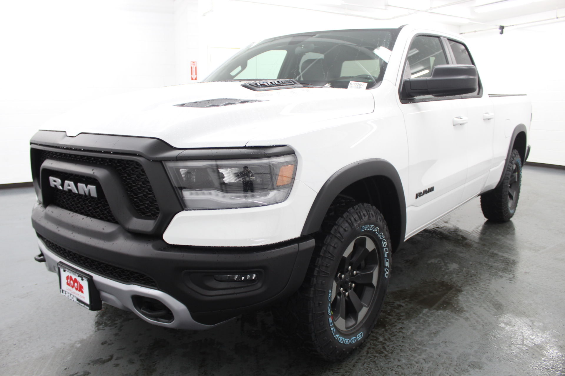 2019 Ram 1500 Quad Cab 4x4,  Pickup #676099 - photo 1