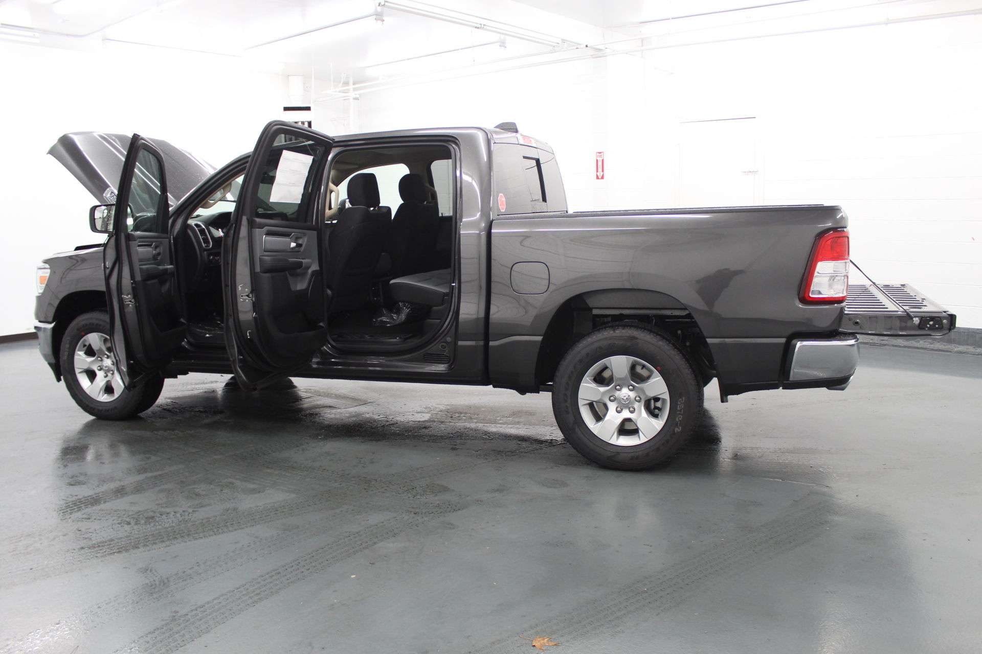 2019 Ram 1500 Crew Cab 4x4,  Pickup #715105 - photo 11